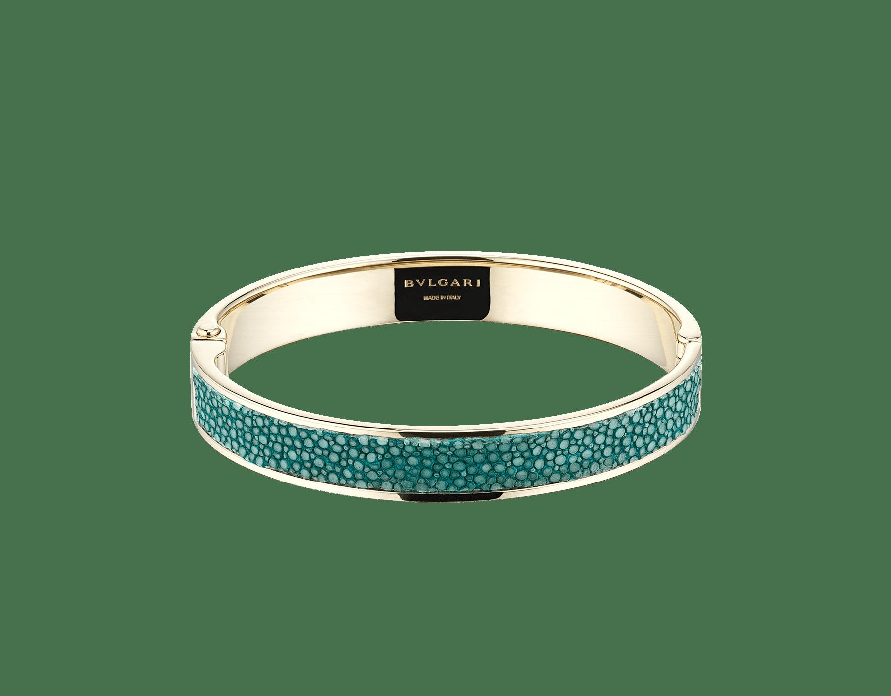 "New ""BVLGARI BVLGARI"" light gold bangle with an emerald-green galuchat skin insert and hinge bearing the BVLGARI logo. Engraved logo on the inside. HINGEBBBRACLT-G-EG image 3"