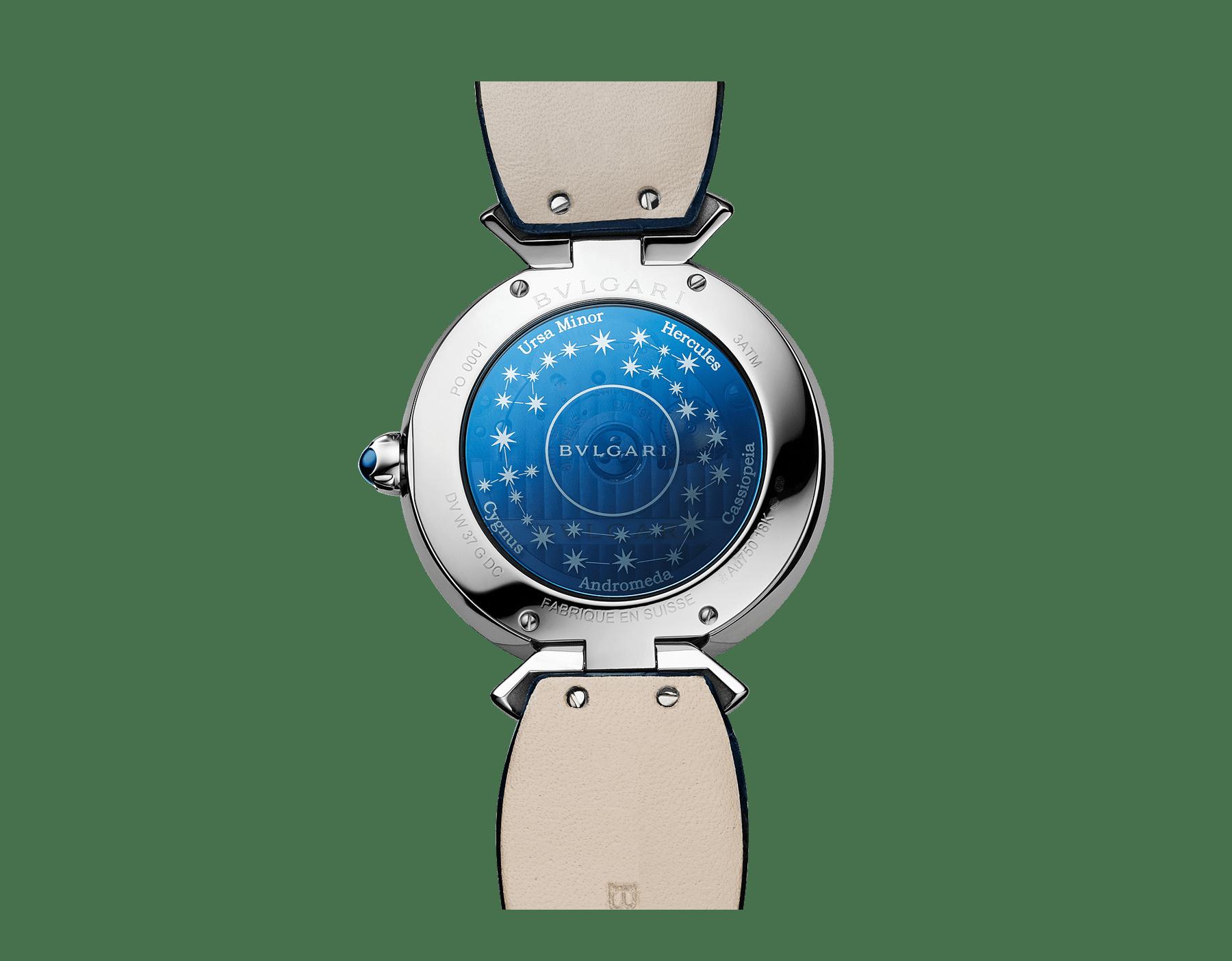 Relógio DIVAS' DREAM com movimento de manufatura mecânico, corda automática, caixa em ouro branco 18K cravejada com diamantes redondos lapidação brilhante e safiras, discos giratórios em aventurina com diamantes e constelações impressas e pulseira em couro de jacaré azul-escuro 102842 image 3