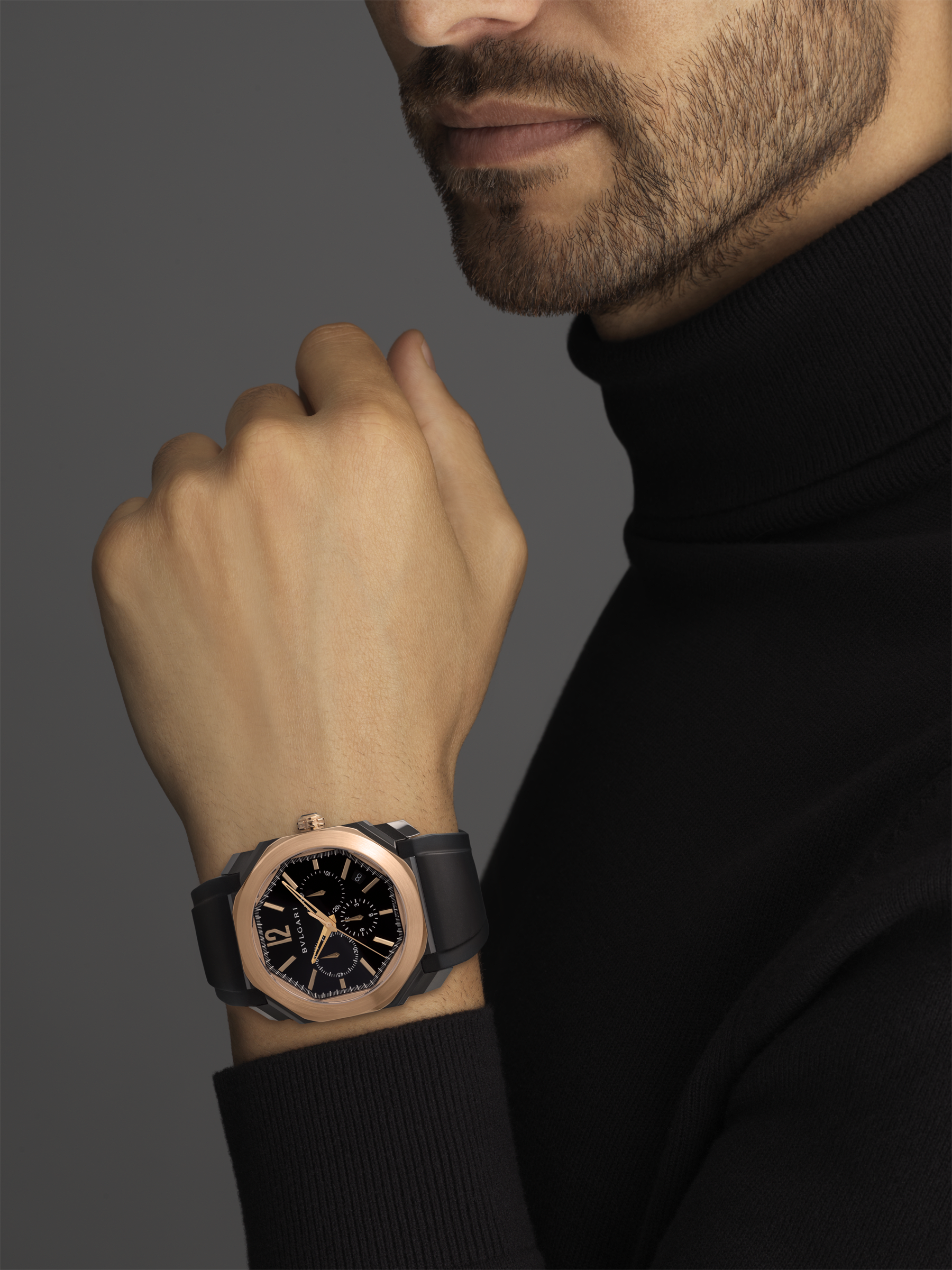 Octo watch with mechanical manufacture movement, high-frequency chronograph, automatic winding and date, stainless steel case treated with black Diamond Like Carbon, 18 kt rose gold bezel, black lacquered dial and black rubber bracelet. 102488 image 5