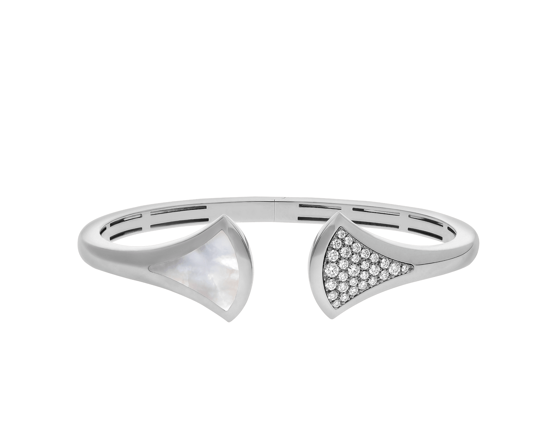DIVAS' DREAM cuff bracelet in 18 kt white gold, set with mother-of-pearl and pavé diamonds (0.45 ct). BR857959 image 2