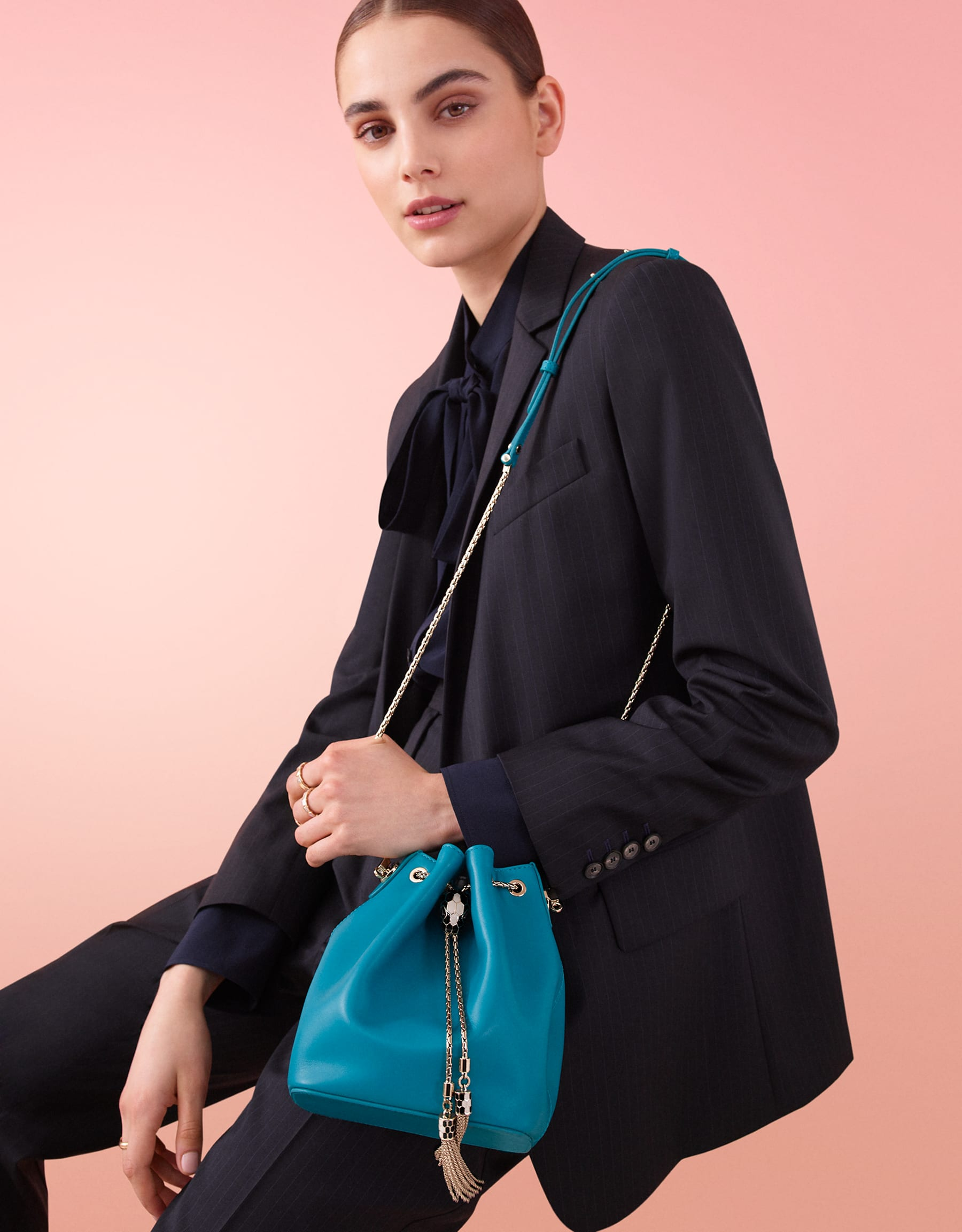 Serpenti Forever bucket bag in tropical turquoise smooth calf leather and black nappa inner lining. Snakehead closure in light gold plated brass decorated with black and white enamel, and black onyx eyes. 287981 image 5