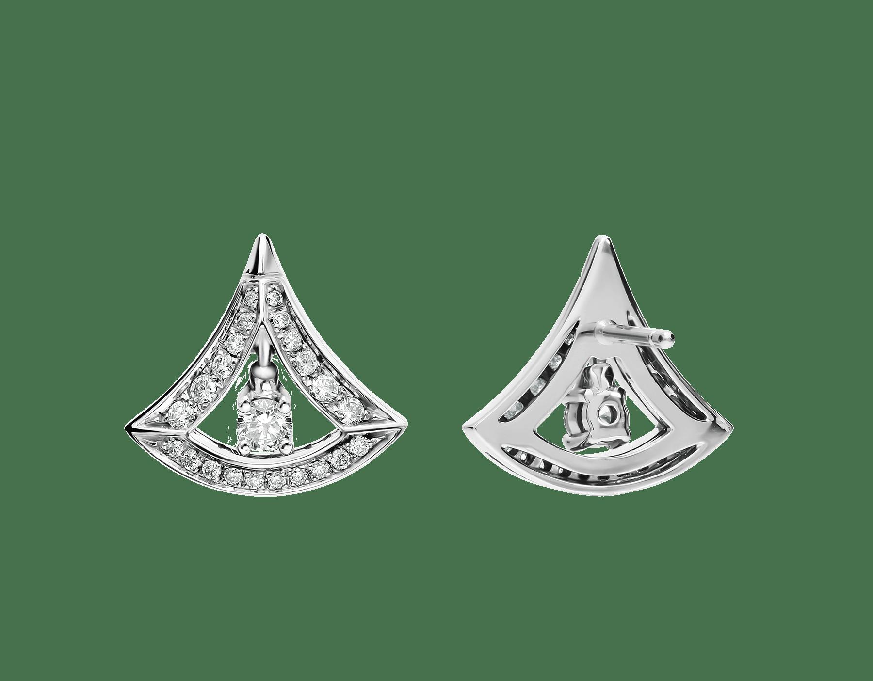Pendientes calados DIVAS' DREAM en oro blanco de 18 qt con pavé de diamantes y un diamante central (0,50 ct). 354194 image 3