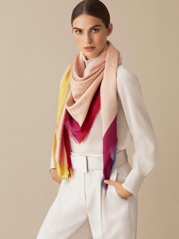 "Black ""Logoquadro"" scarf in fine silk wool LOGOQUADRO image 2"