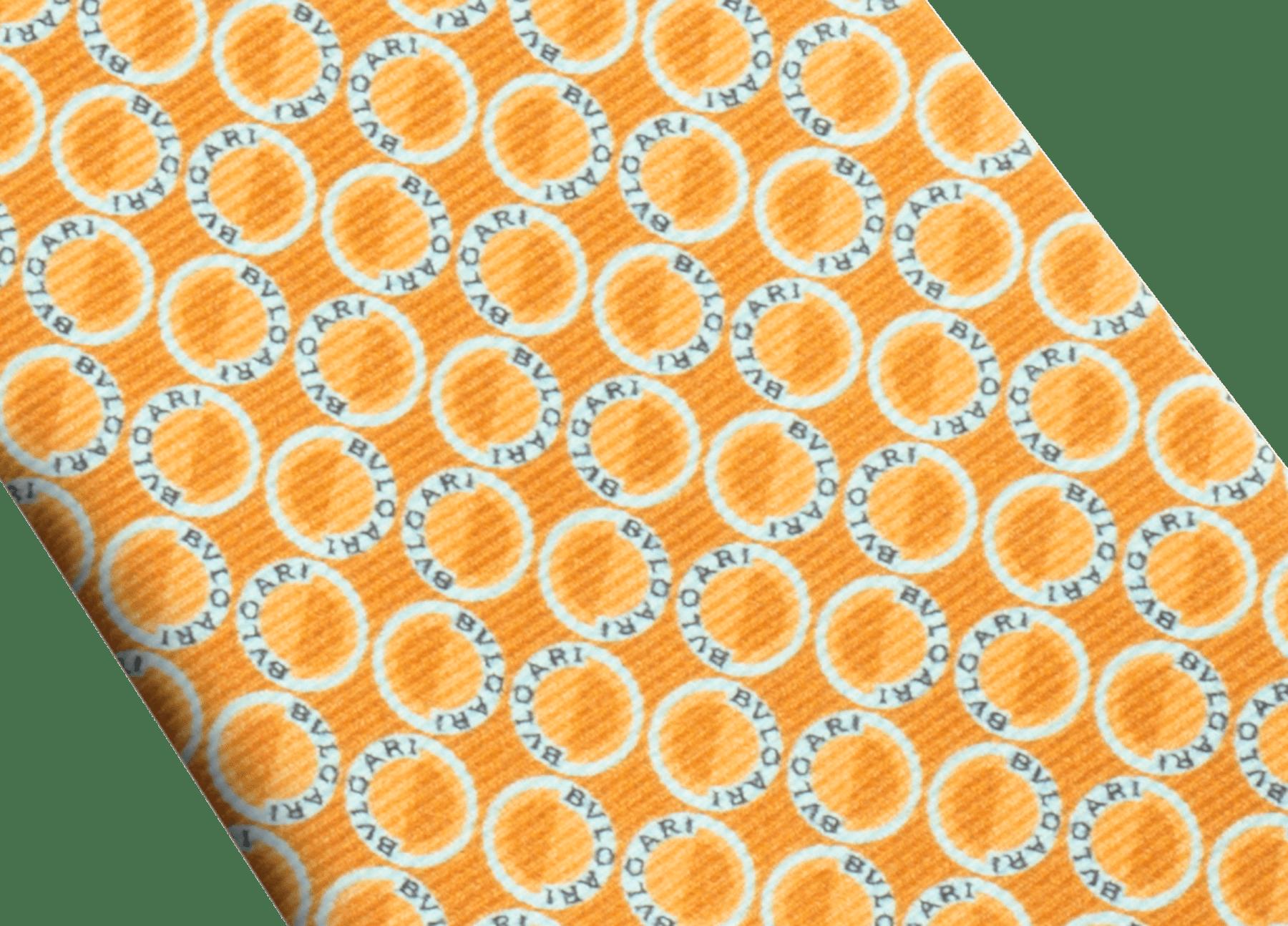 Cravate sept plis Logo Moonphase couleur safran en fine serge de soie imprimée. 243616 image 2