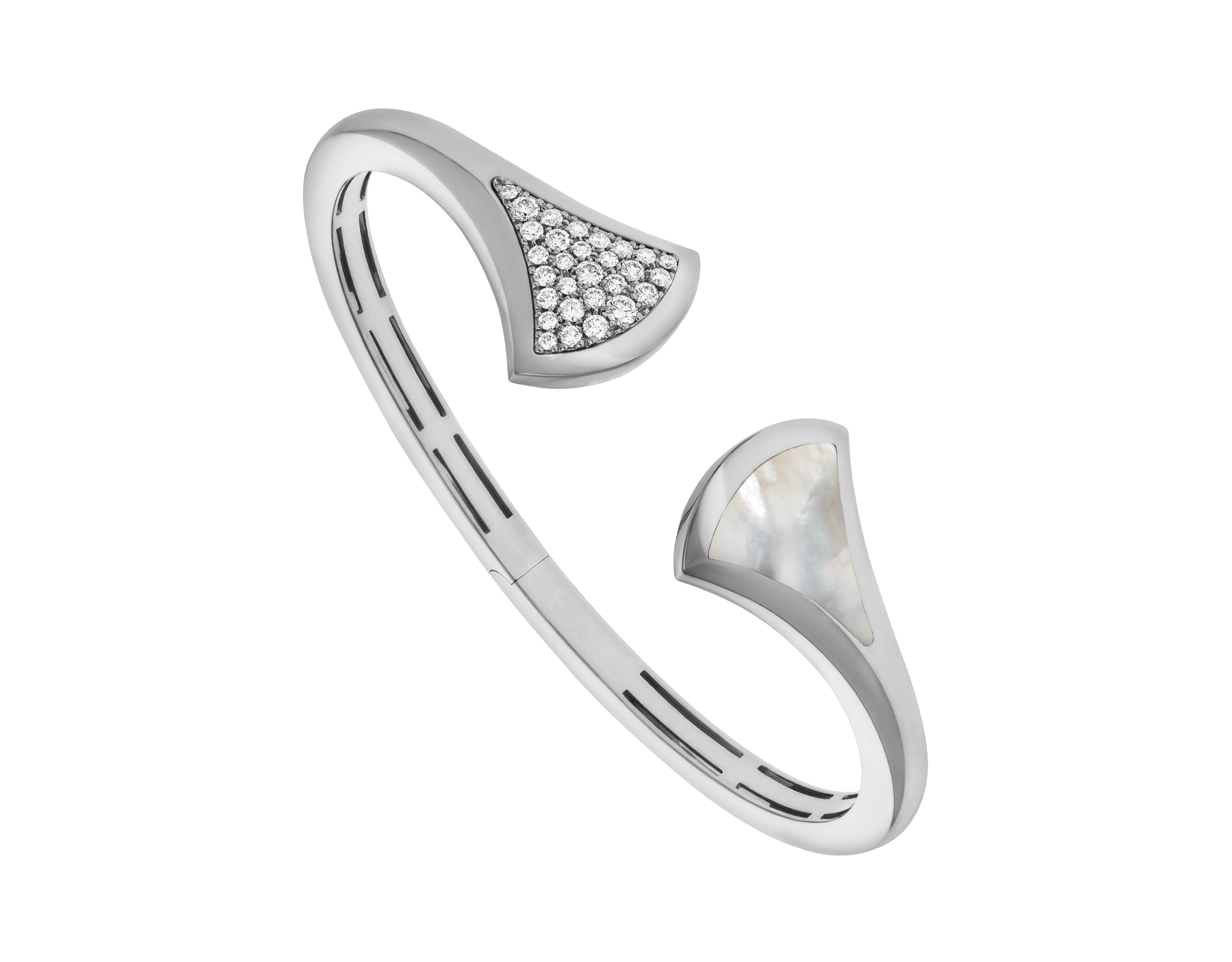 DIVAS' DREAM cuff bracelet in 18 kt white gold, set with mother-of-pearl and pavé diamonds (0.45 ct). BR857959 image 1
