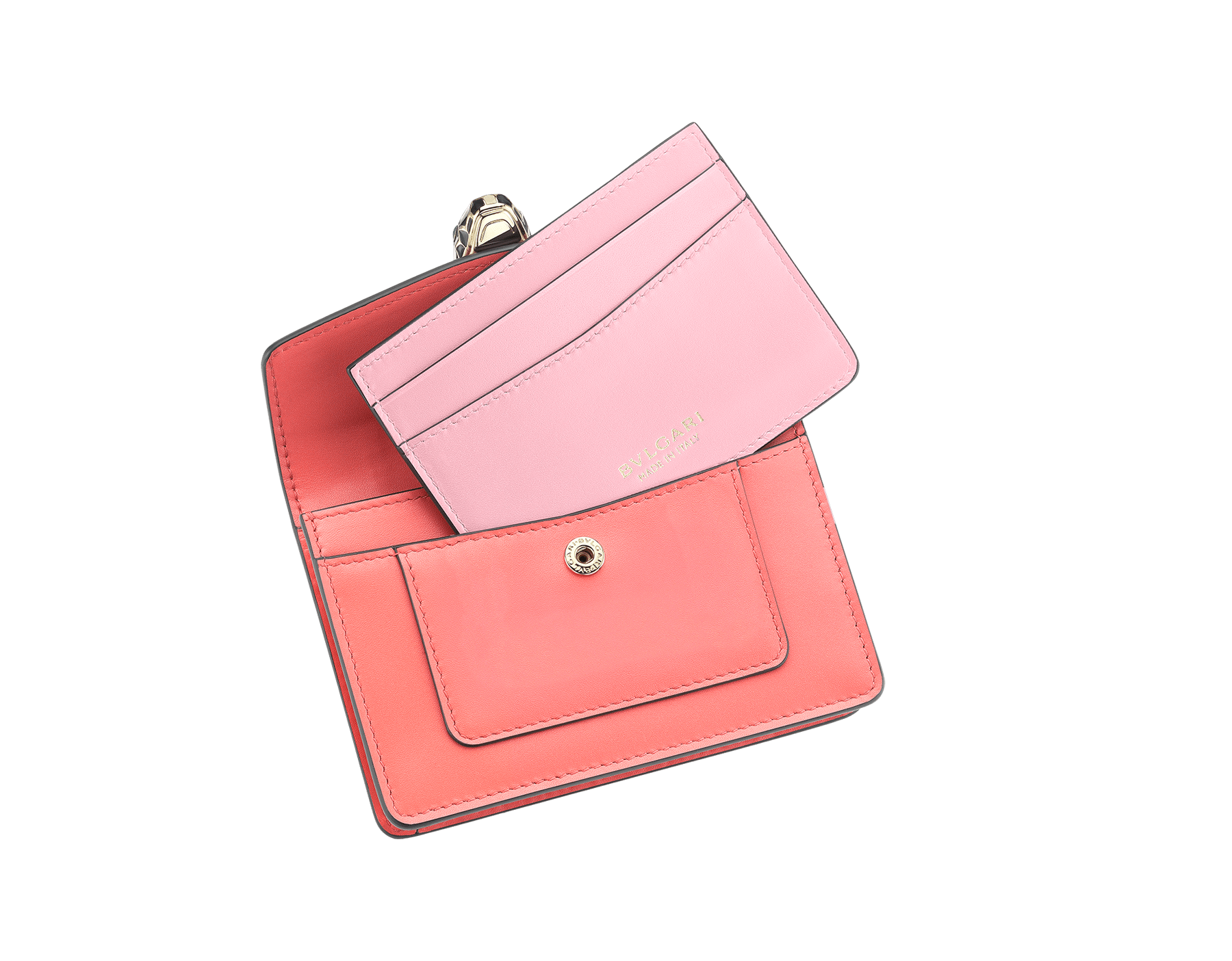 Serpenti Forever pocket credit card holder crafted silky coral and flamingo quartz calf leather, with flamingo quartz nappa lining. Iconic brass light gold plated snakehead stud closure in black and white enamel, with eyes in green malachite 289009 image 2