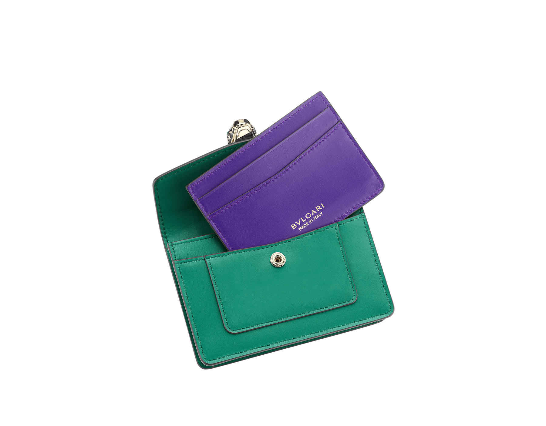 Pocket credit card holder in emerald green and violet amethyst calf leather, with amethyst purple nappa lining. Brass light gold plated Serpenti head stud closure in black and white enamel, with eyes in green malachite. 285149 image 2