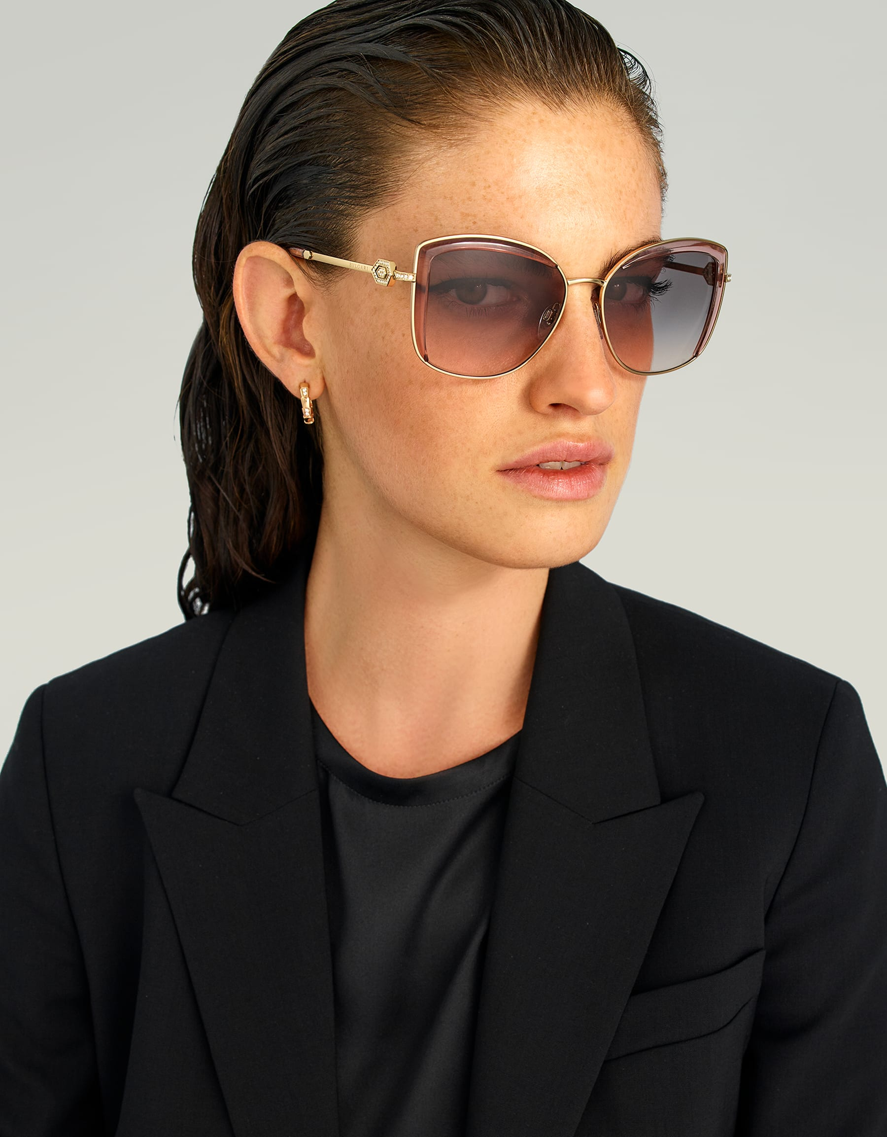 Bulgari Serpenti squared metal sunglasses with Serpenti openwork metal décor with crystals. 903905 image 3