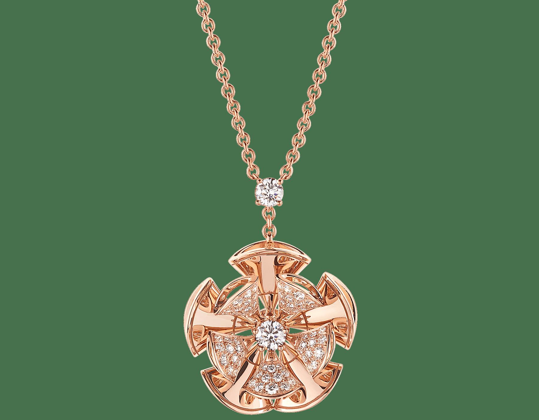 Resplandecendo com a elegância floral de pétalas de ouro rosa e diamantes cravejados, o colar DIVAS' DREAM reina supremo no jardim do glamour. 350783 image 1