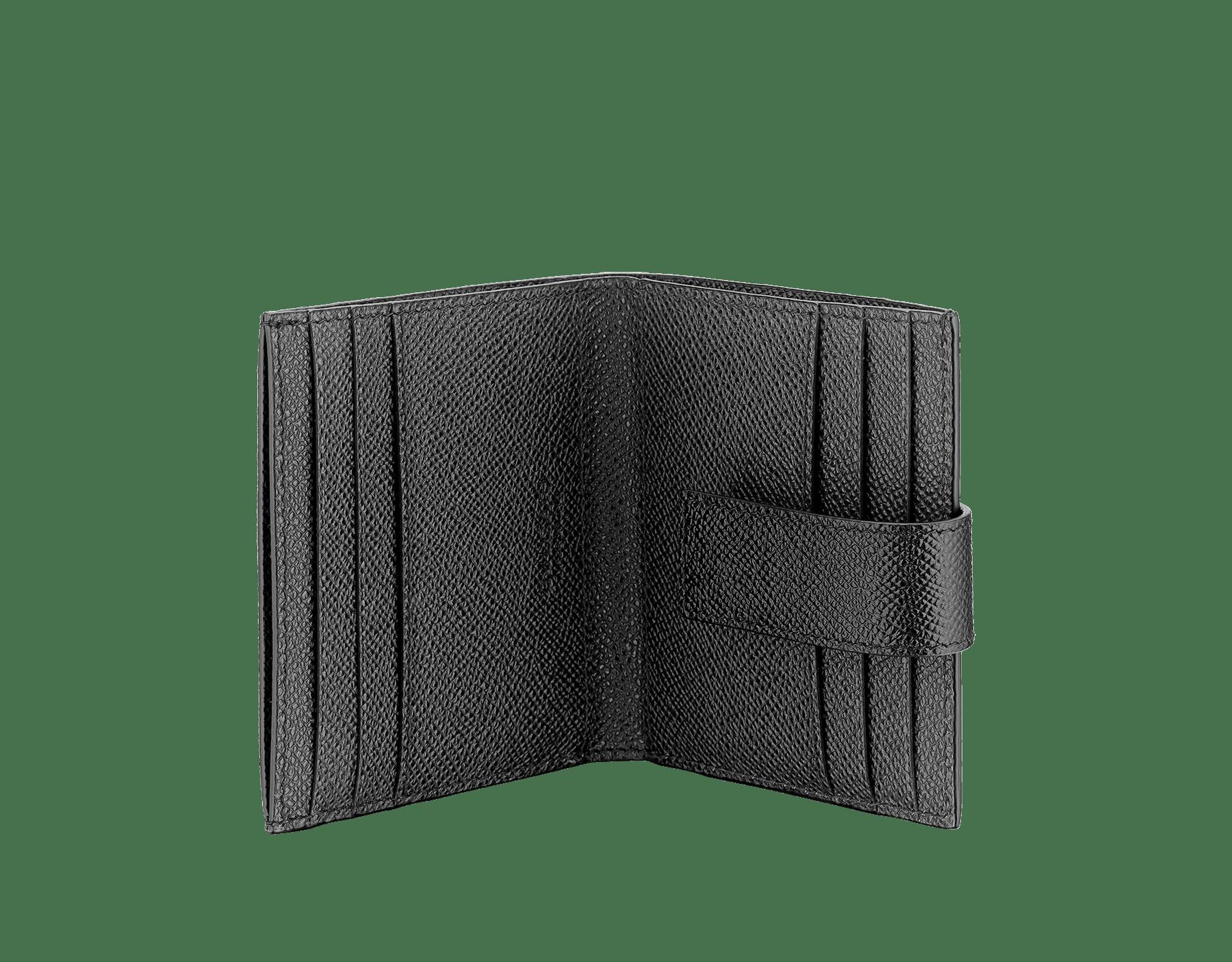 ブラックグレインカーフレザーの「ブルガリ・ブルガリ」カードホルダー。パラジウムプレートブラスのアイコニックなロゴ装飾。 290069 image 2