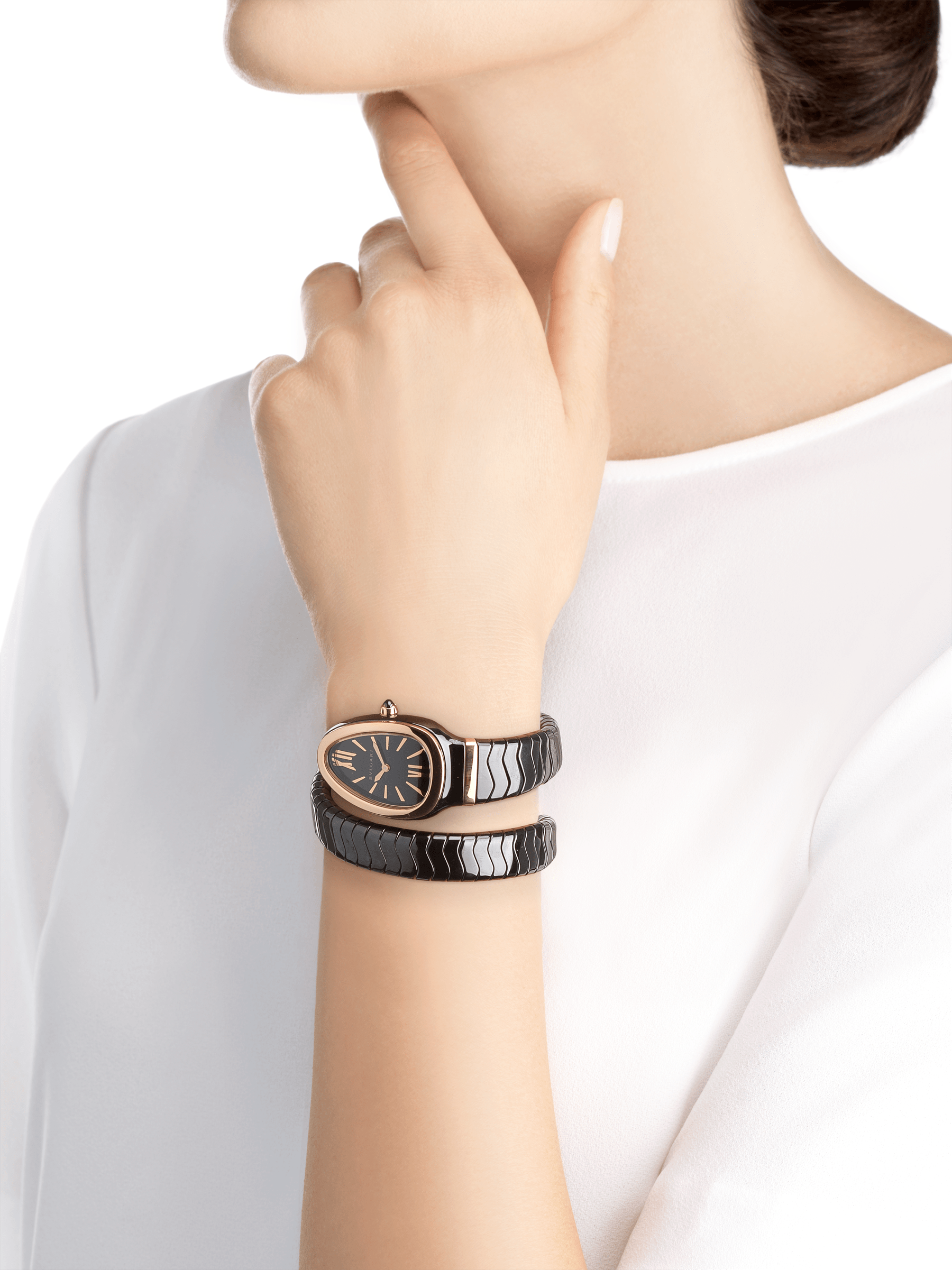 Serpenti Spiga single spiral watch with black ceramic case, 18 kt rose gold bezel, black lacquered dial and black ceramic bracelet set with 18 kt rose gold elements. 102735 image 4