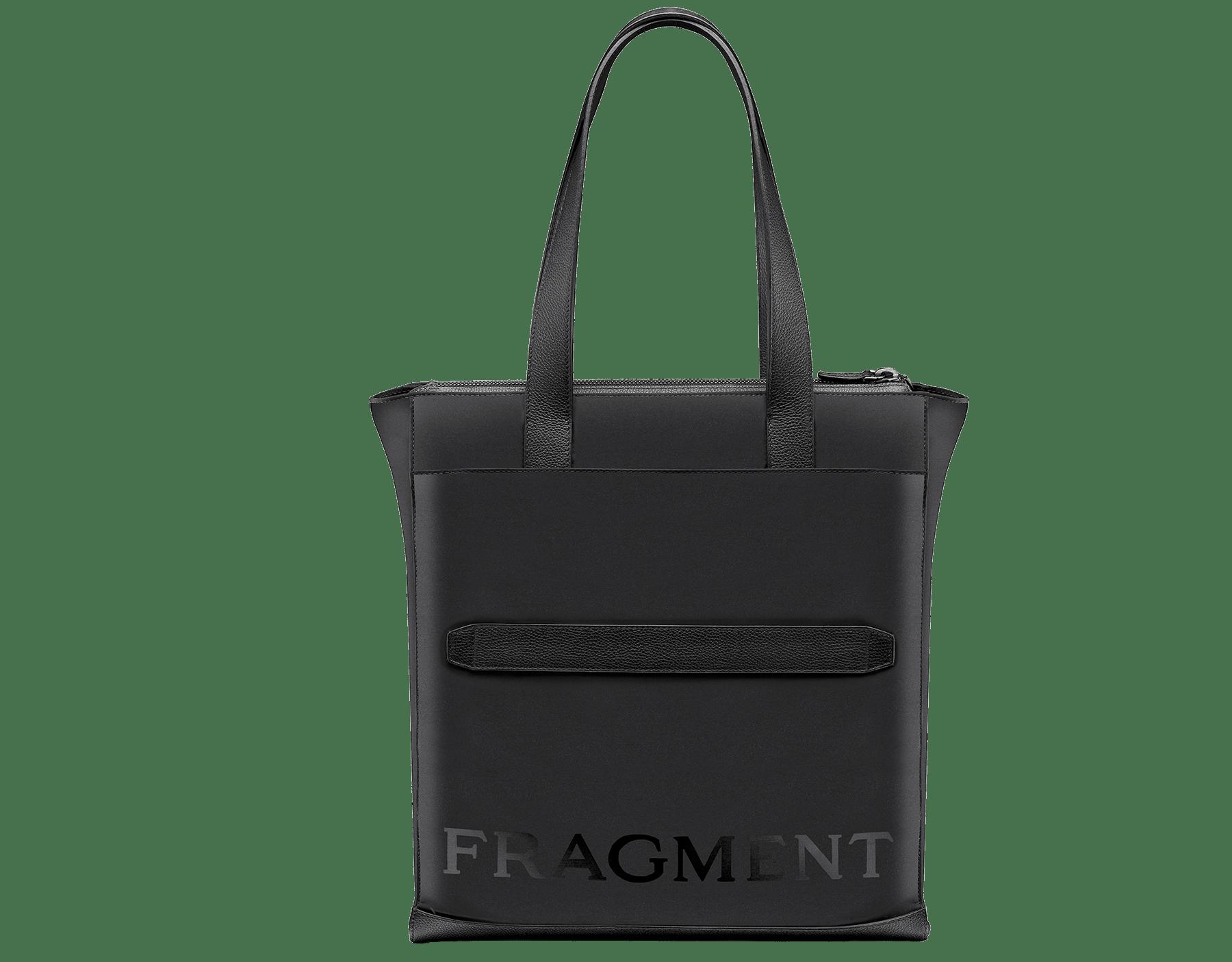 ウルトラブラックルテニウムプレートブラス製金具、「BVLGARI」と「FRAGMENT」のブラックロゴプリントが付いたブラックパフィ―ナイロン製「FRAGMENT X BVLGARI by Hiroshi Fujiwara」縦長トートバッグ。 290730 image 3