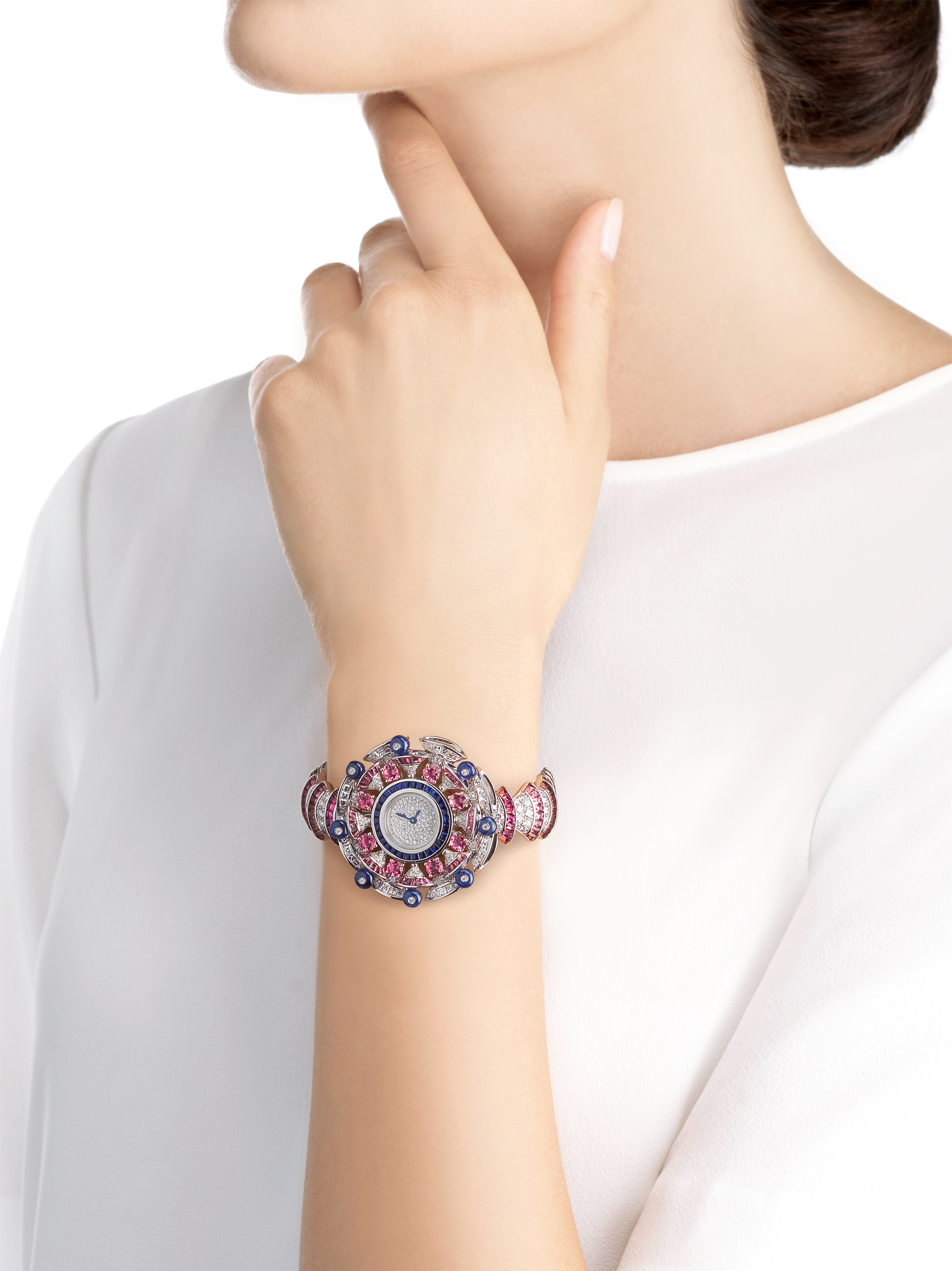 DIVAS' DREAM watch with 18 kt white gold case set with baguette and brilliant-cut diamonds, round and buff-cut rubellites, buff-cut sapphires and sapphire beads, snow pavé dial, 18 kt white gold bracelet set with brilliant-cut diamonds and buff-cut rubellites 102153 image 3
