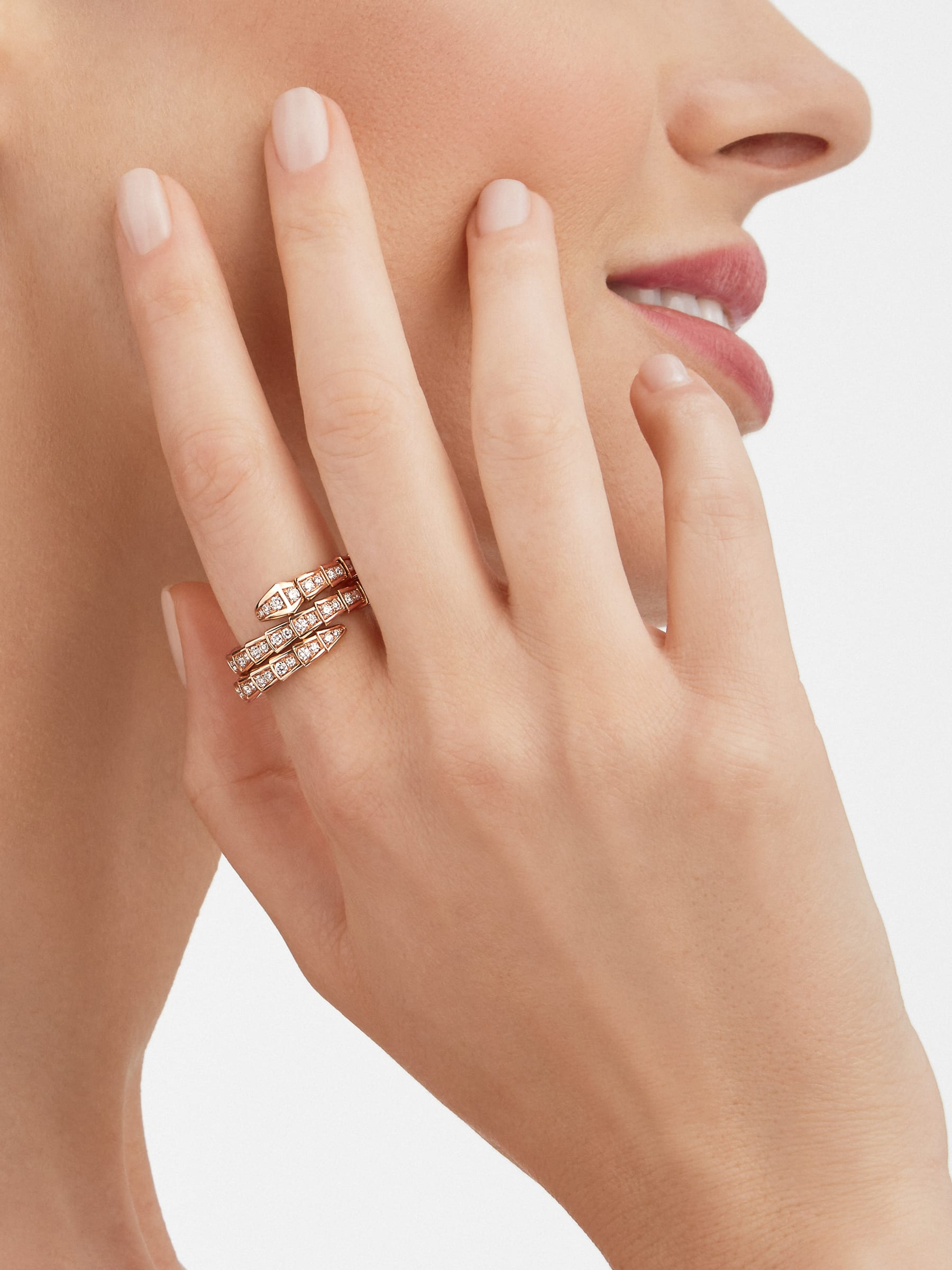 Serpenti Viper two-coil 18 kt rose gold ring, set with pavé diamonds AN858794 image 3