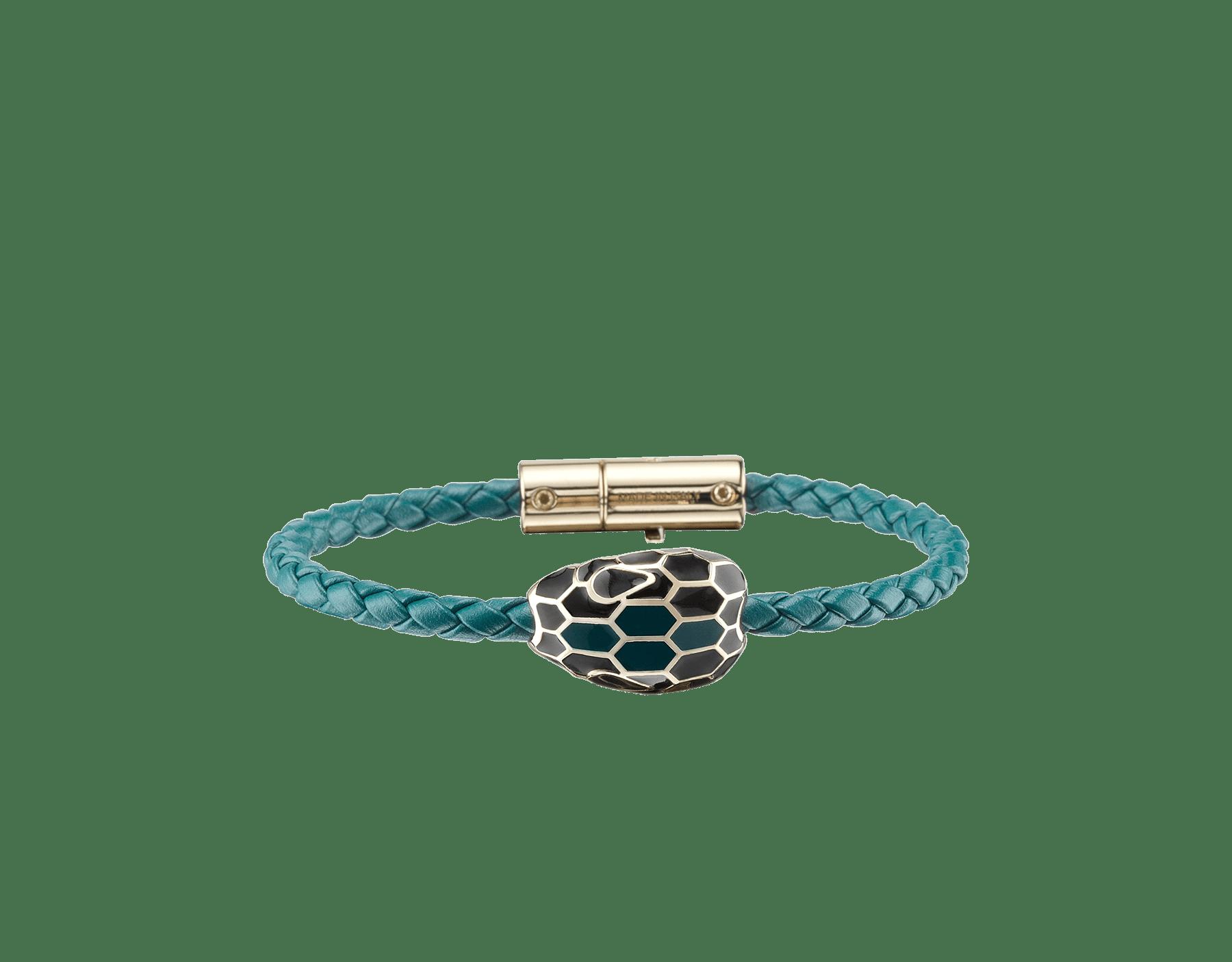 Bracelet tressé Serpenti Forever en cuir de veau tressé couleur Deep Jade avec motif Serpenti emblématique en émail noir et couleur Deep Jade. 288314 image 1