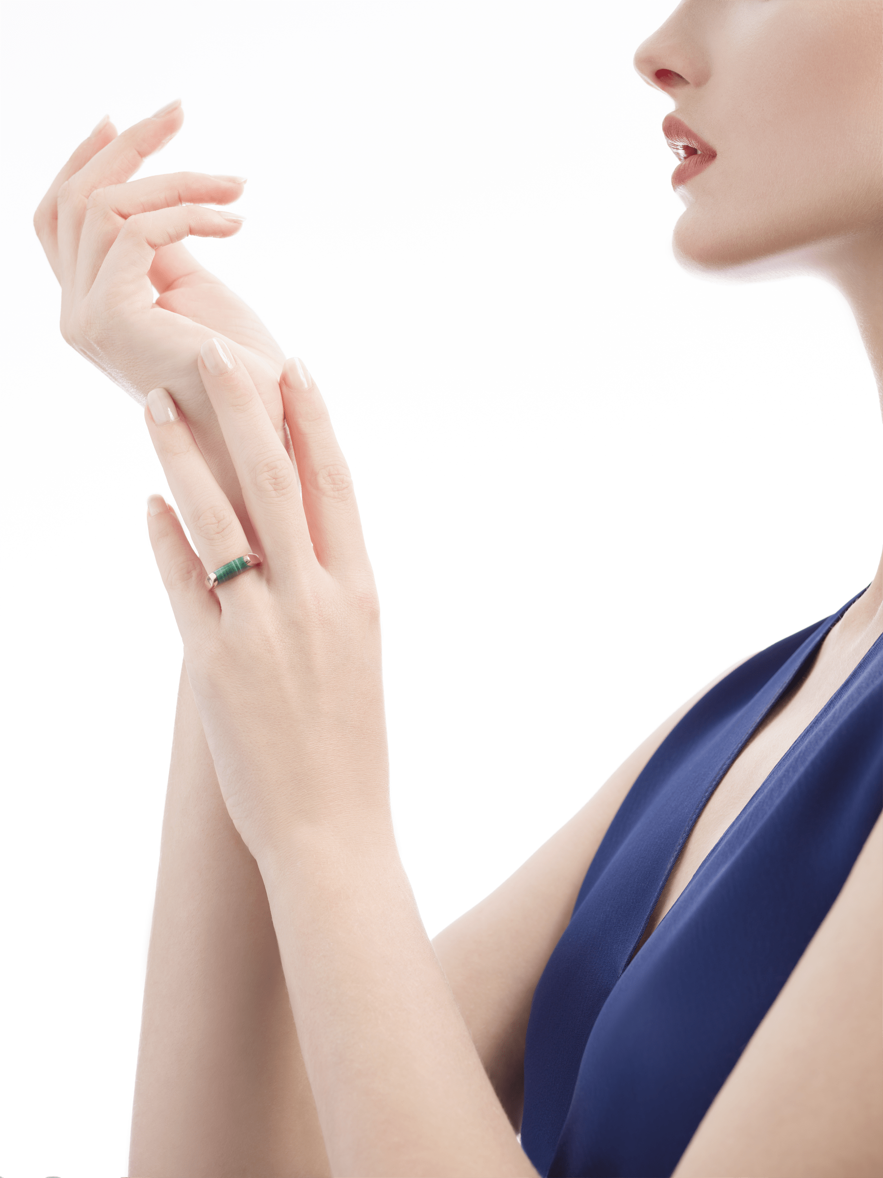 MVSA slim ring in 18 kt rose gold, set with a malachite. AN857916 image 4