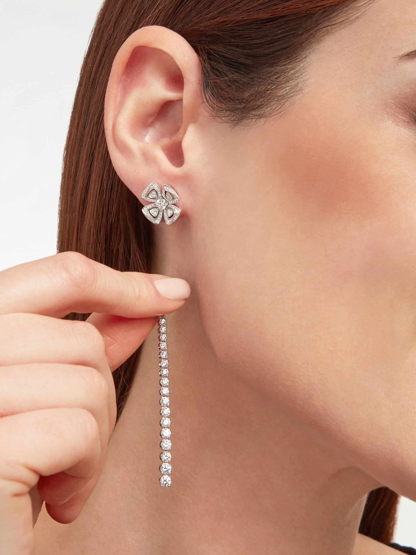 Fiorever 18K 白金可變換式耳環,鑲飾明亮型切割鑽石(2.81 克拉)和密鑲鑽石(0.26 克拉)。 358158 image 6
