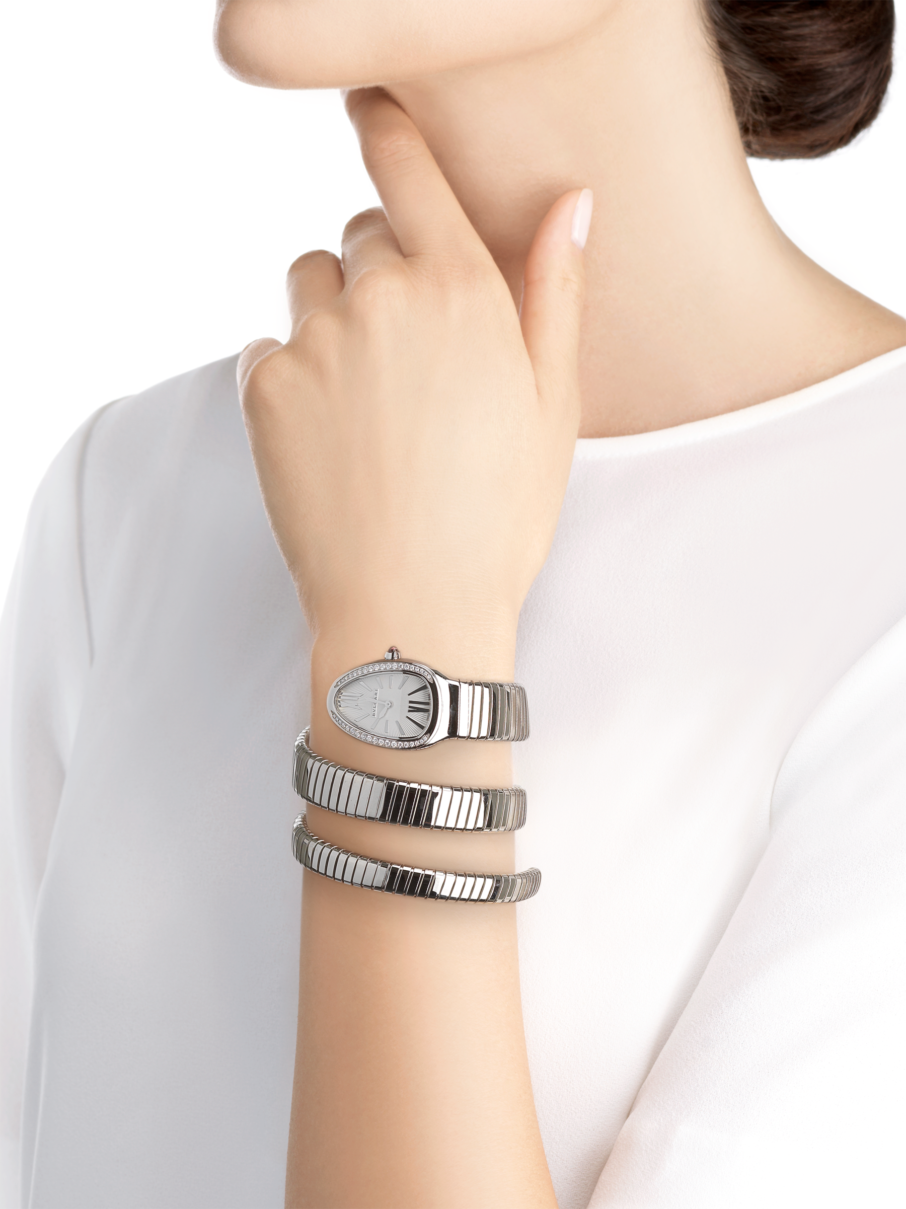 Serpenti Tubogas double spiral watch in stainless steel case and bracelet, bezel set with brilliant cut diamonds and silver opaline dial. 101910 image 4