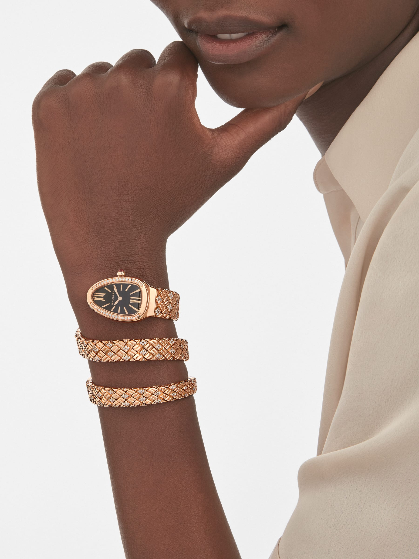 Montre à double spirale Serpenti Spiga avec boîtier et bracelet en or rose 18K sertis de diamants, et cadran noir 103252 image 1