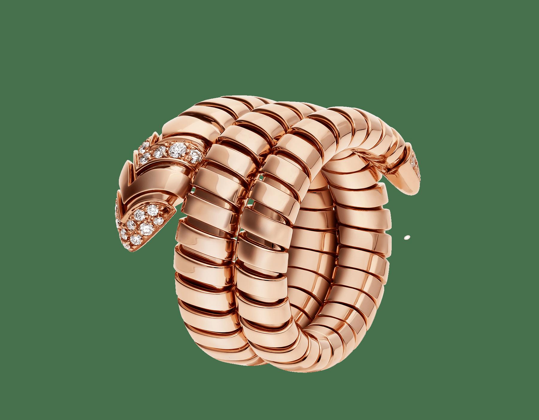 Associant le motif du serpent à la technique Tubogas pour créer une nouvelle forme de séduction, la bague Serpenti s'enroule autour du doigt avec la féminité de l'or rose et le glamour éclatant du pavé diamants. AN856571 image 1