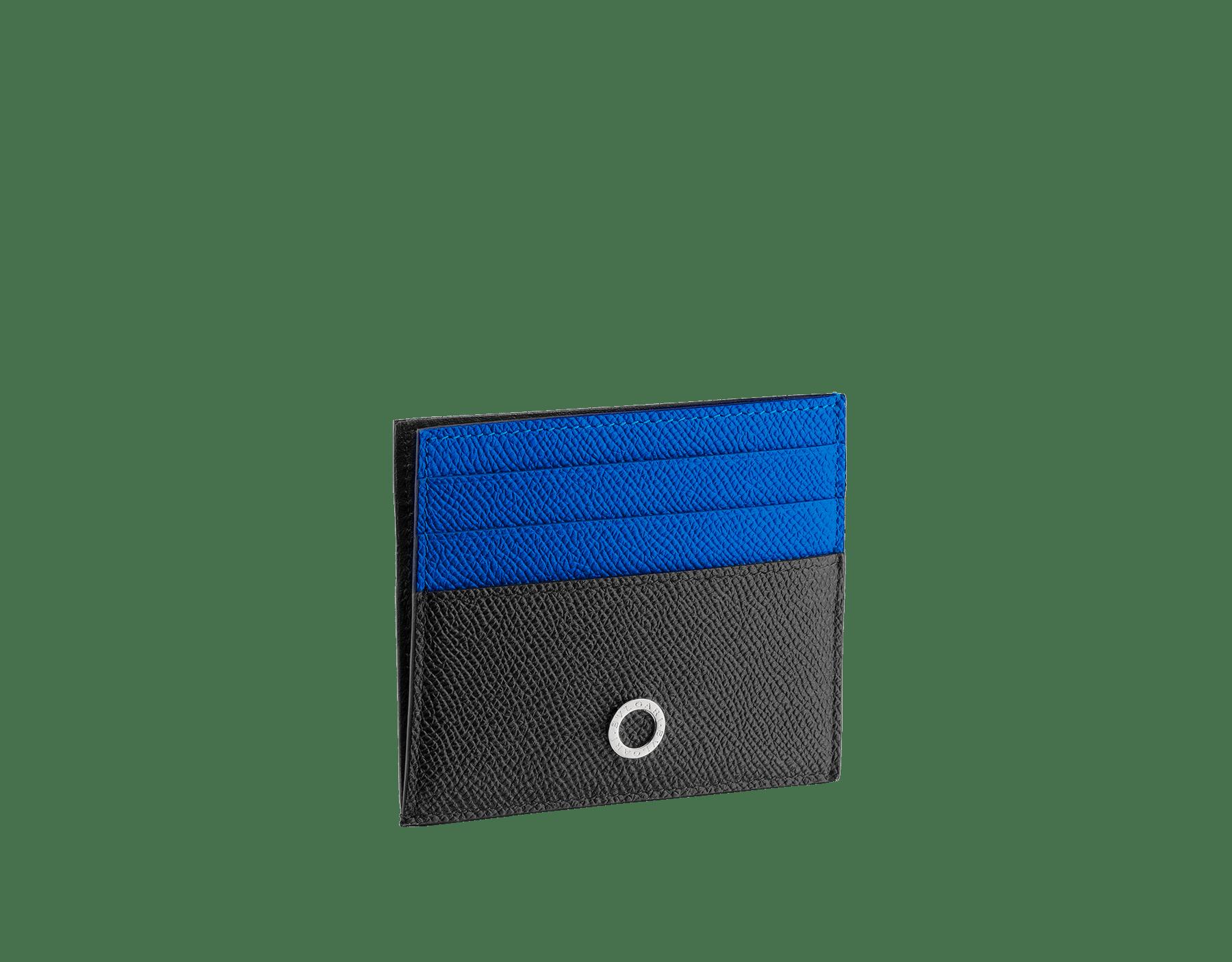 Porta-cartão de crédito aberto BVLGARIBVLGARI em couro de novilho granulado preto e turmalina-cobalto com forro em napa preta. Icônica decoração de logotipo em metal banhado a paládio. 288308 image 2