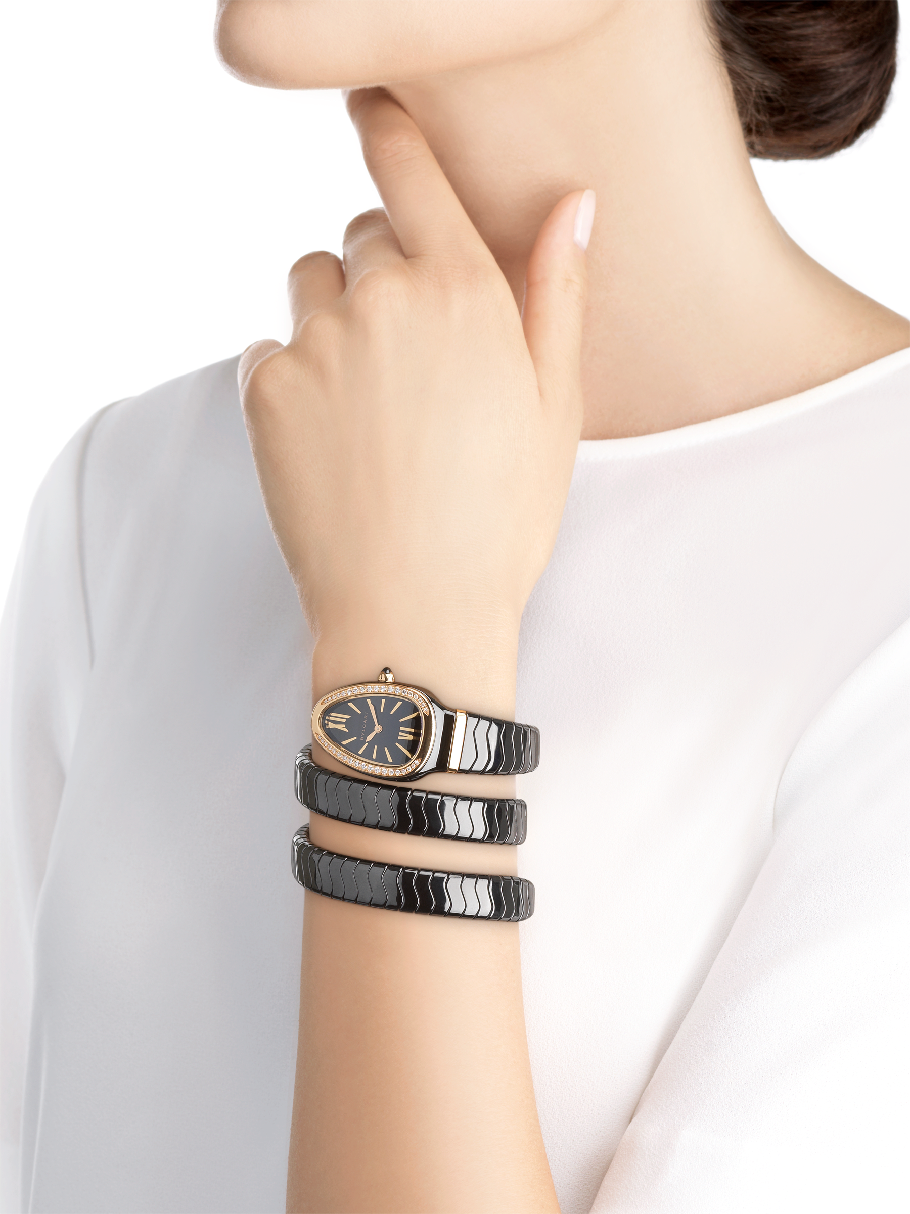 Serpenti Spiga watch with black ceramic case, 18 kt rose gold bezel set with diamonds, black lacquered polished dial and double spiral bracelet in black ceramic and 18 kt rose gold elements. 102885 image 2
