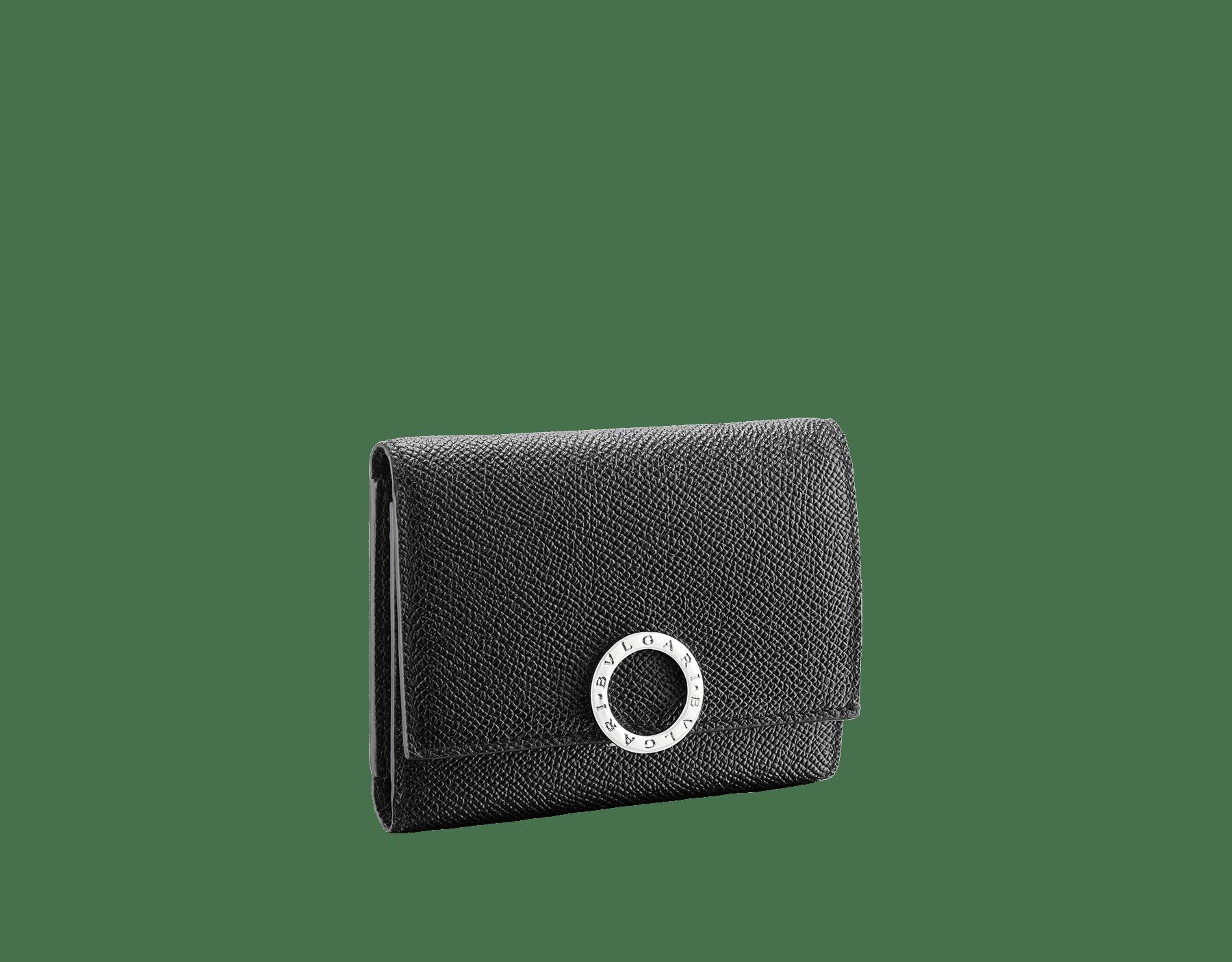 불가리 불가리 남성용 지갑. 에메랄드 그린/블랙 컬러의 컬러의 그레인 카프 레더 소재. 황동 팔라듐이 도금된 아이코닉 로고 클립 잠금장치. BCM-YENCOMPACT image 1