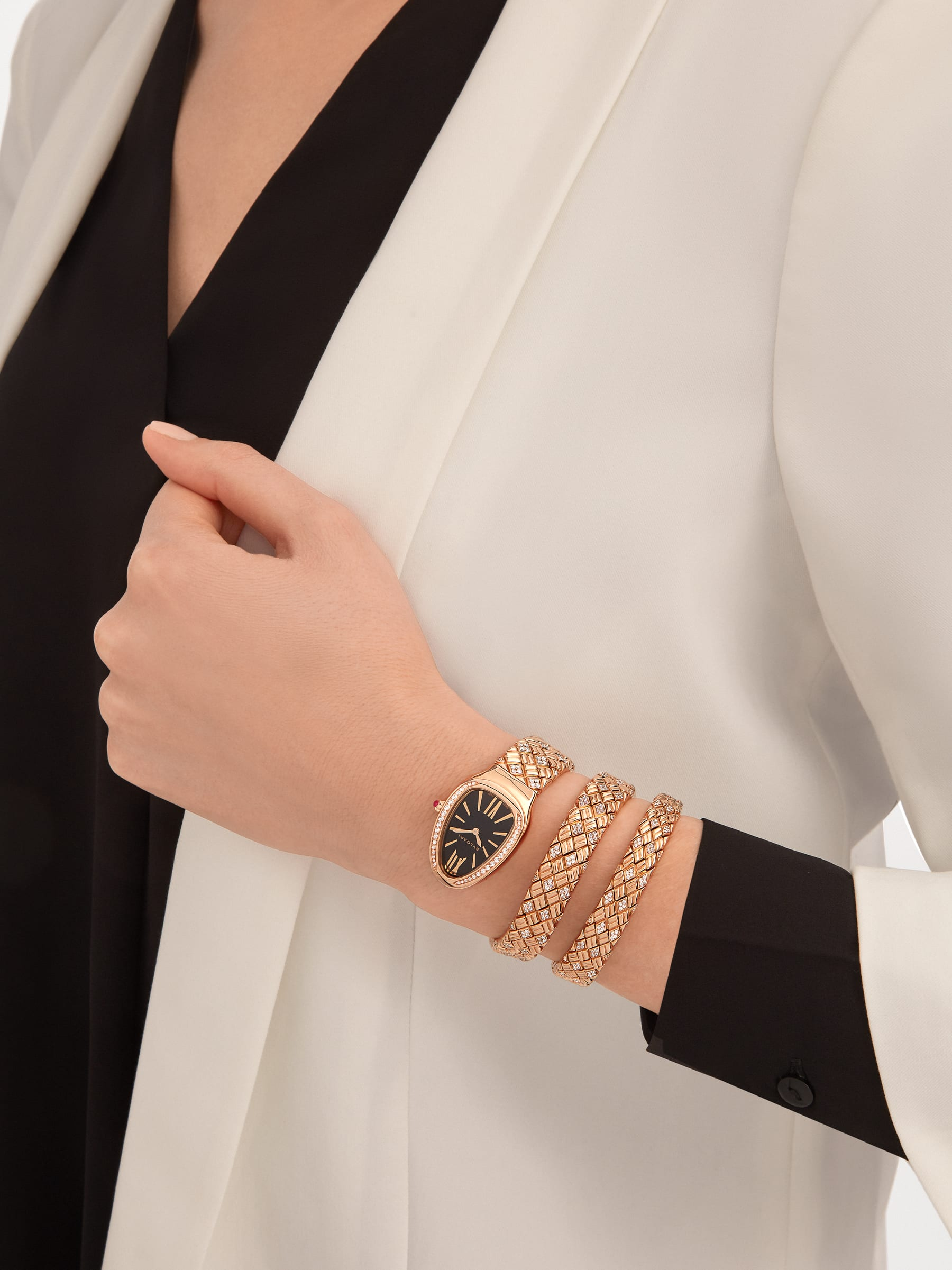 Serpenti Spiga double-spiral watch with 18 kt rose gold case and bracelet set with diamonds, and black dial 103252 image 4