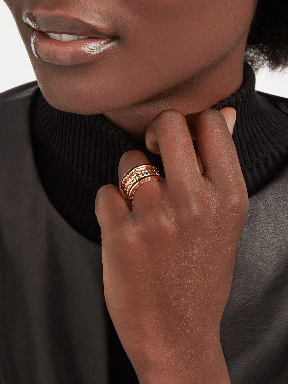 Bague quatrerangs B.zero1 Rock en or rose 18K avec spirale cloutée et inserts en céramique noire sur les bords. AN859089 image 1
