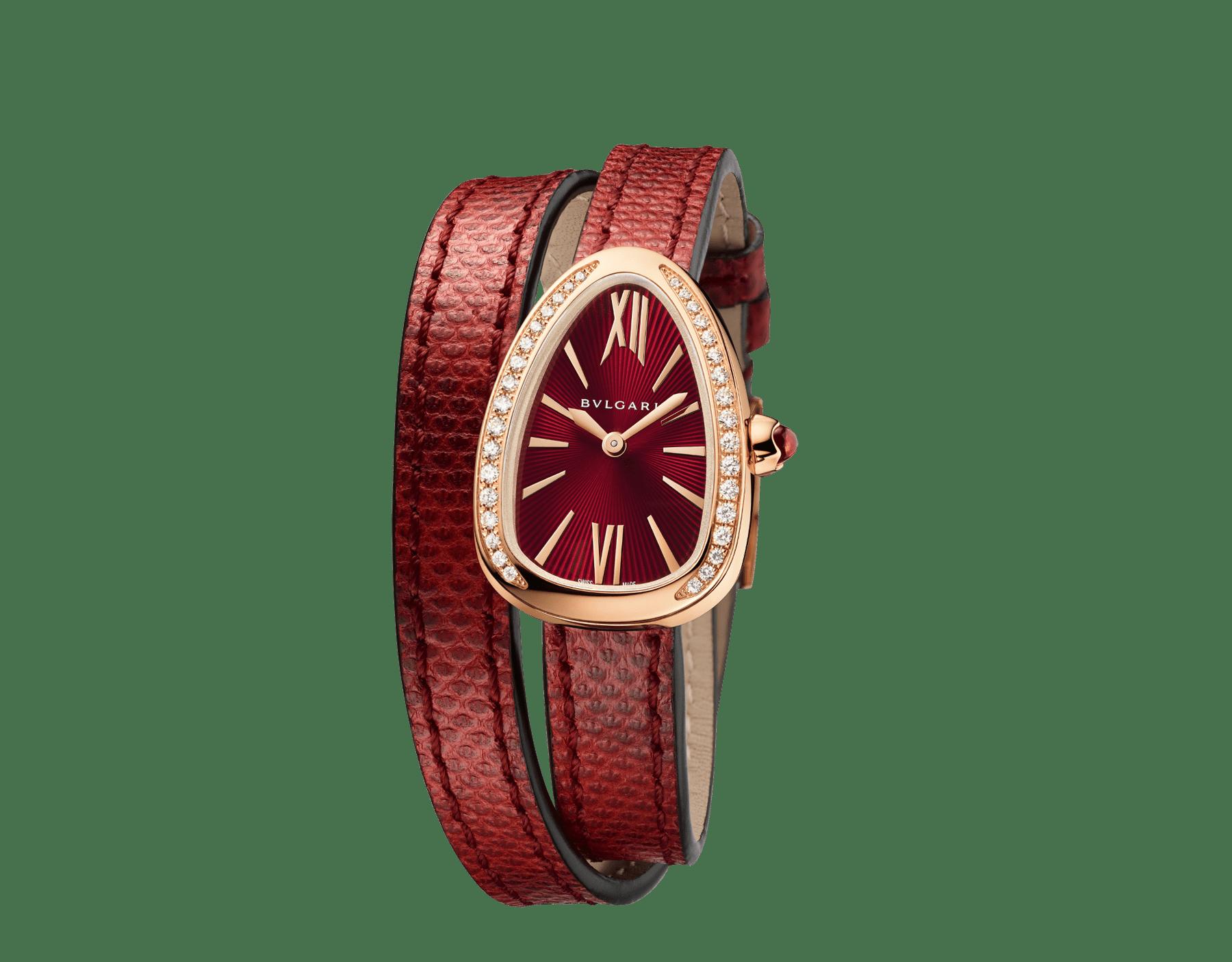 Montre Serpenti avec boîtier en or rose 18K serti de diamants taille brillant, cadran laqué rouge et bracelet double spirale interchangeable en cuir de karung rouge. 102730 image 2