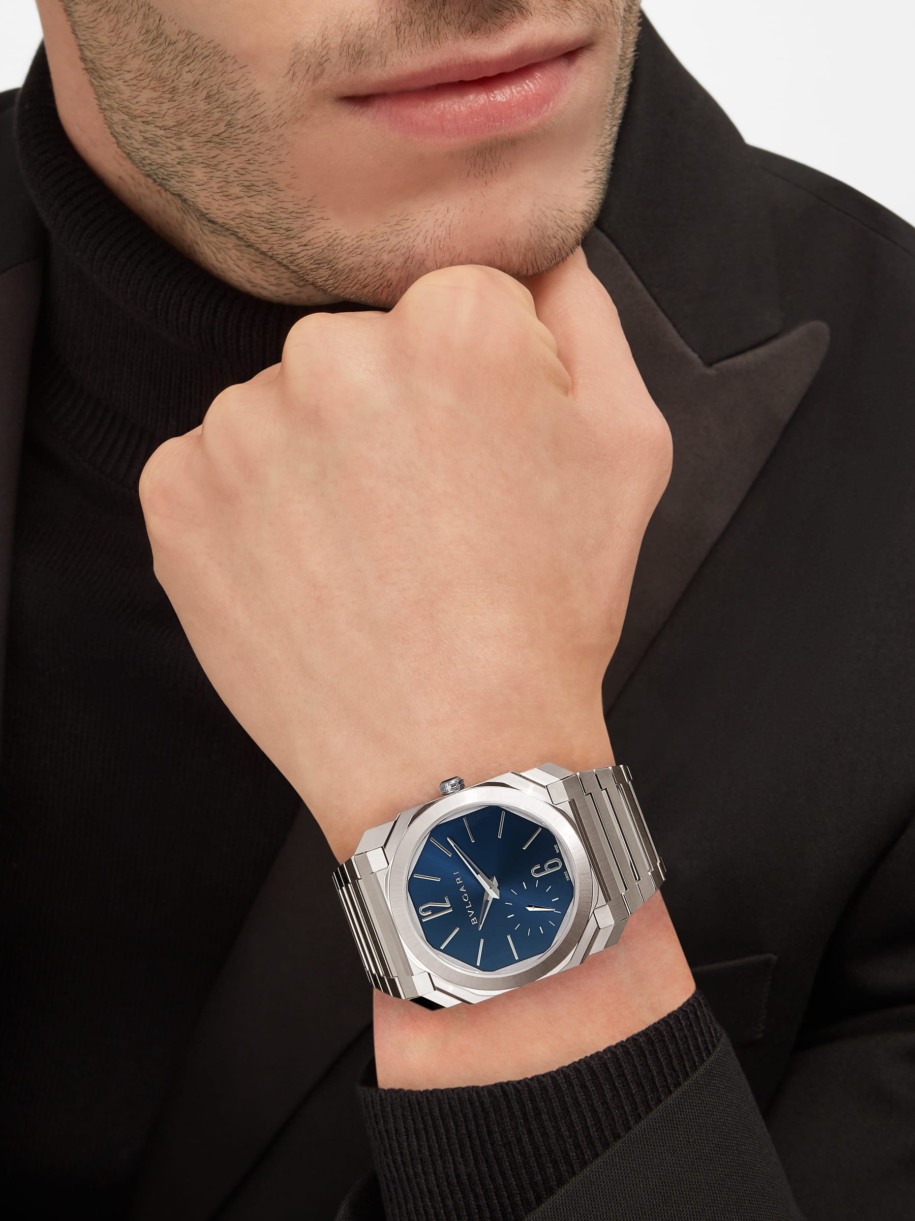 Octo Finissimo Automatic watch with mechanical manufacture movement, automatic winding, platinum micro rotor, small seconds, extra-thin satin-polished stainless steel case and integrated bracelet, transparent case back and blue lacquered dial with sunburst finishing. Water-resistant up to 100 meters. 103431 image 5