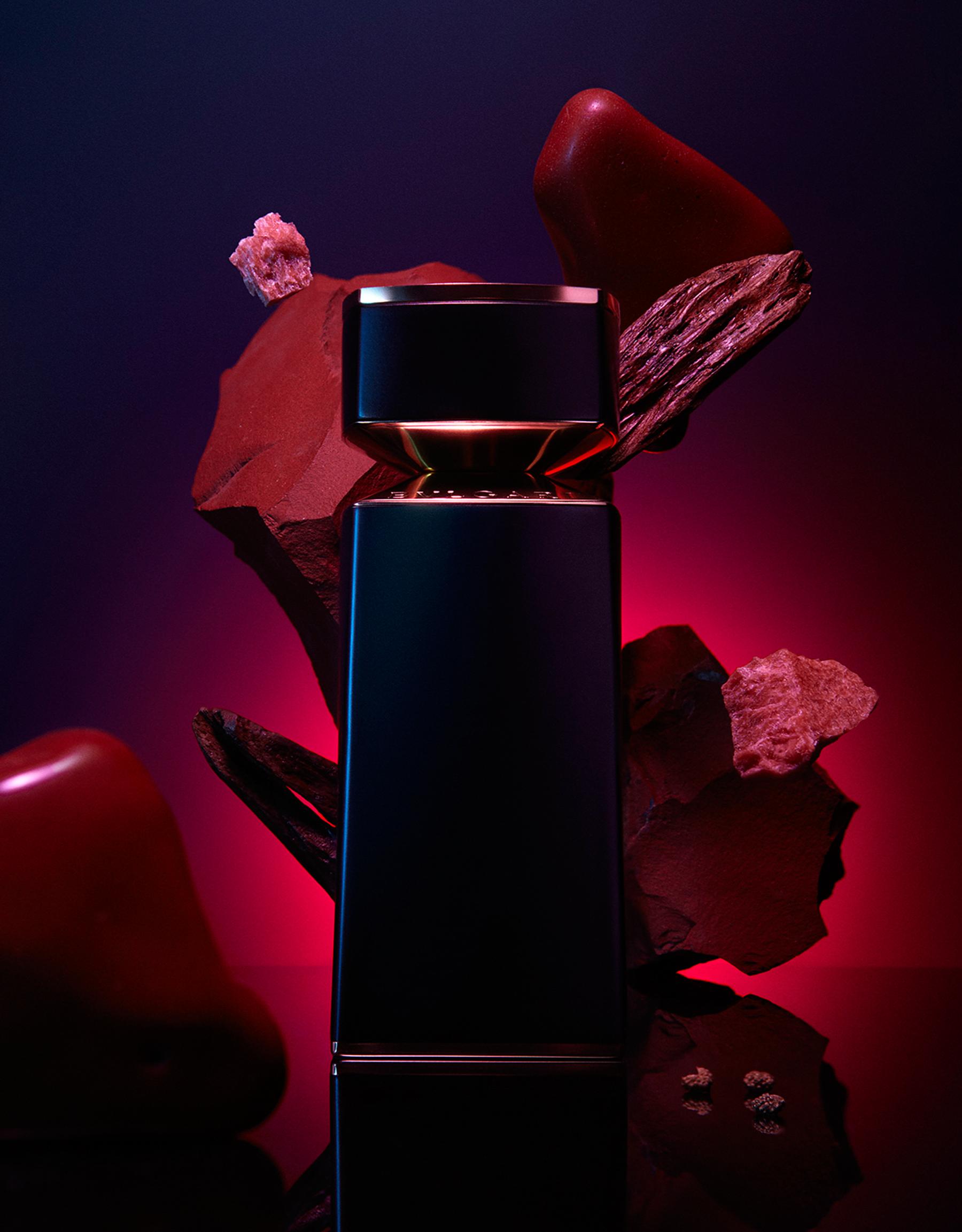 Соблазнительный восточный аромат на основе красного мускуса с сияющим сердцем сандалового дерева, приправленного сычуаньским перцем 40171 image 3