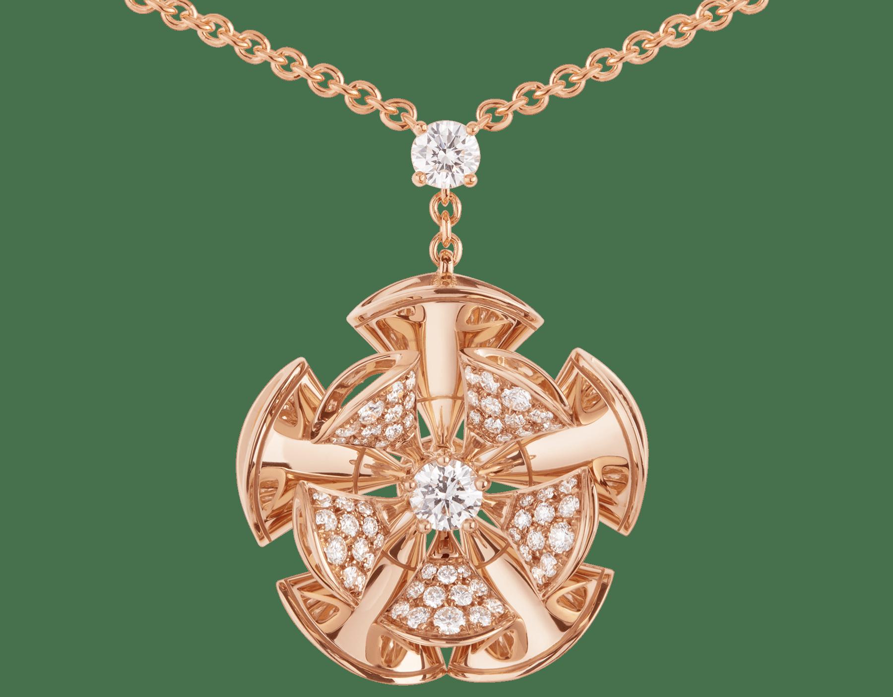 Resplandecendo com a elegância floral de pétalas de ouro rosa e diamantes cravejados, o colar DIVAS' DREAM reina supremo no jardim do glamour. 350783 image 3