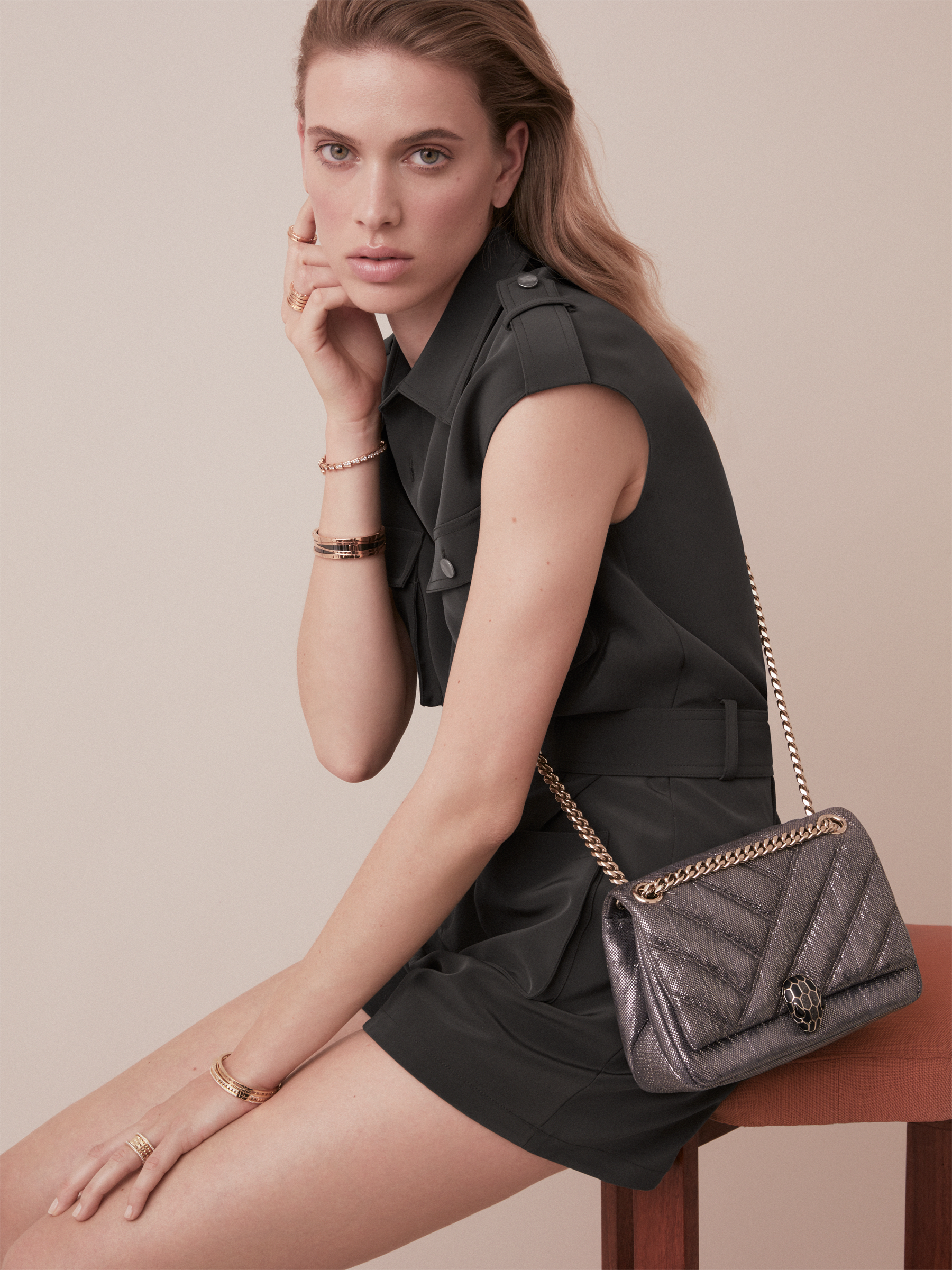 Serpenti Cabochon shoulder bag in soft matelassé silver metallic karung skin with graphic motif. Snakehead closure in light gold plated brass decorated with matte black and glitter silver enamel, and black onyx eyes. 981-MK image 5