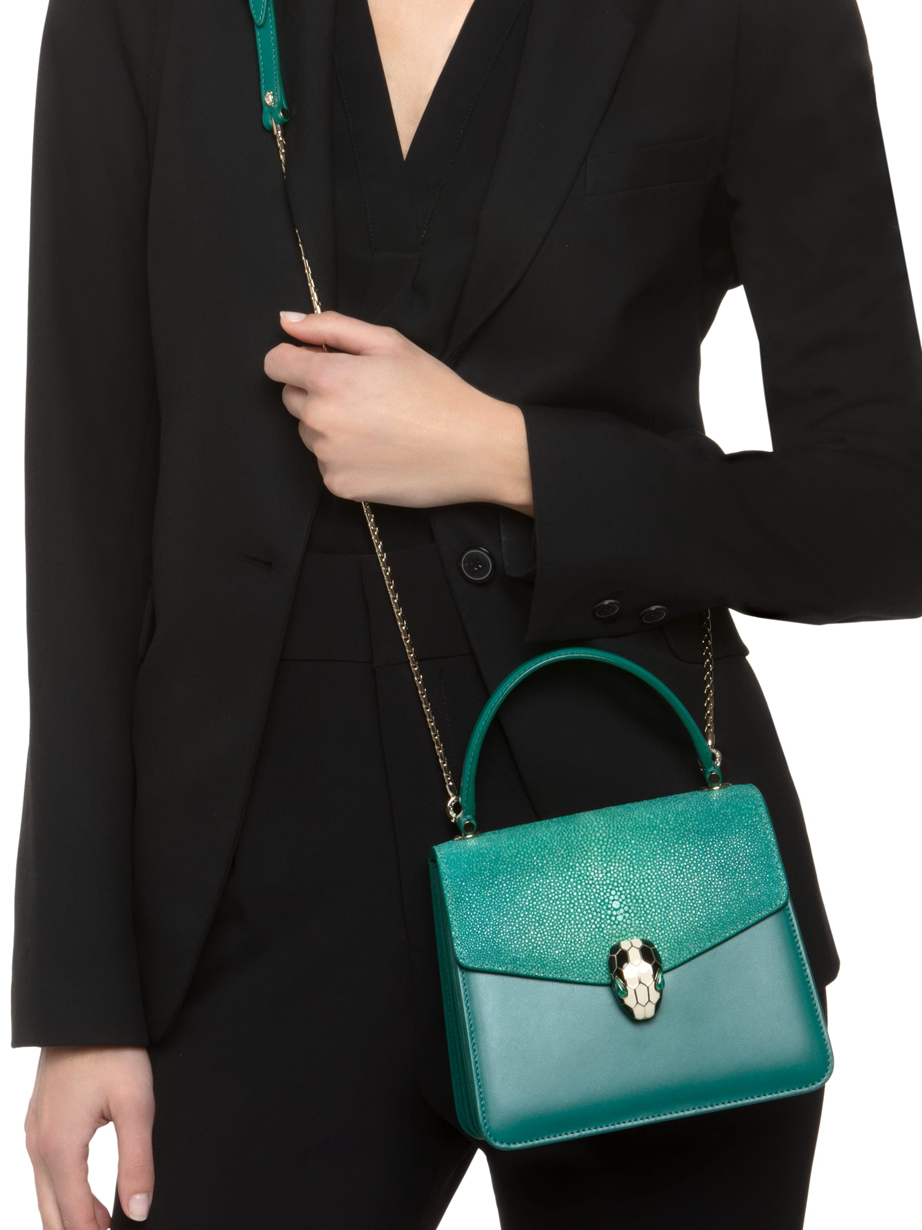 Flap cover bag Serpenti Forever in emerald green galuchat skin and emerald green calf leather. 282373 image 4