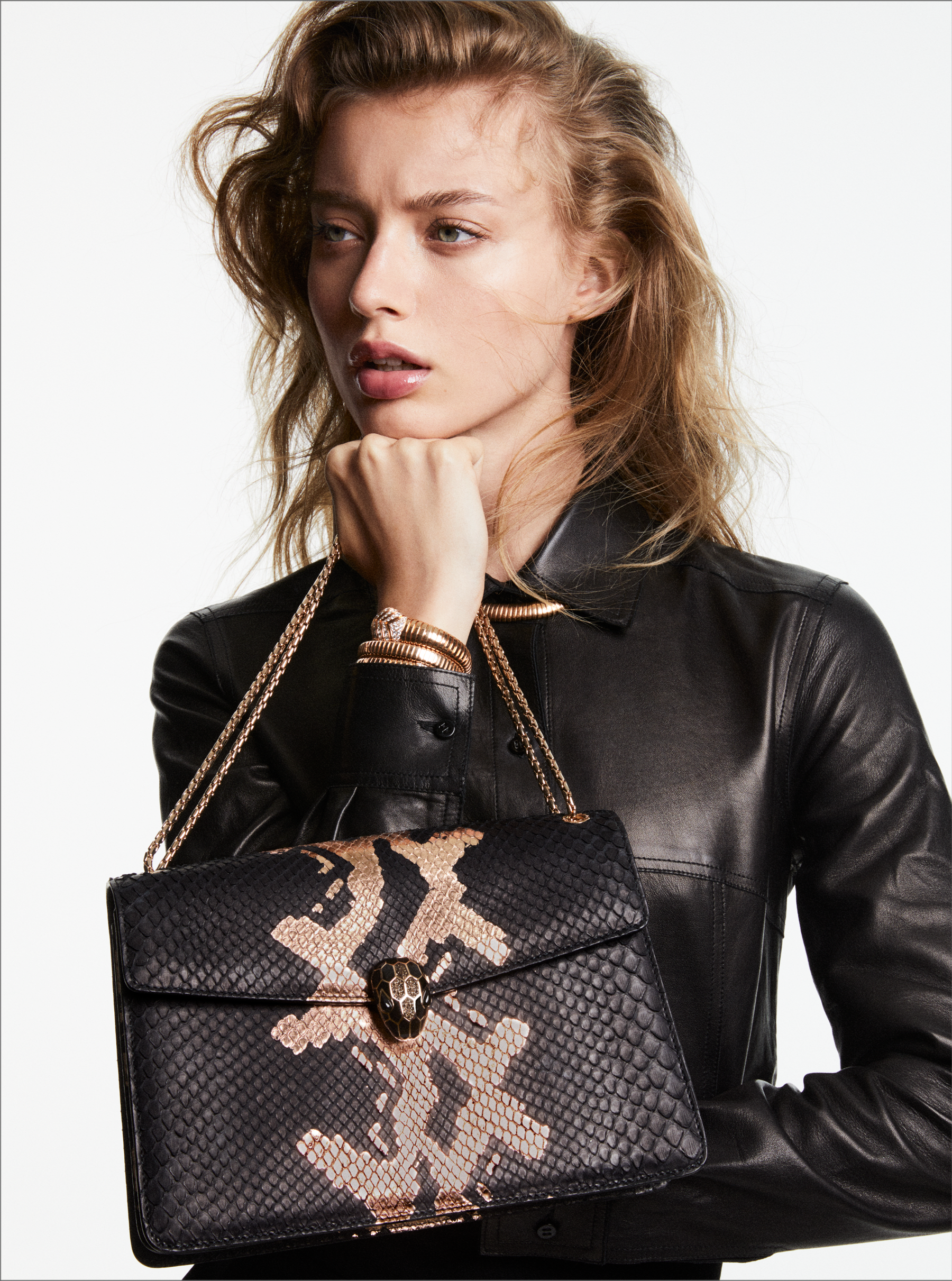 """""""Serpenti Forever"""" shoulder bag in black and antique bronze Mottled Gold python skin. Iconic snakehead closure in light rose gold plated brass enriched with black and glitter bronze enamel and black onyx eyes 287318 image 2"""