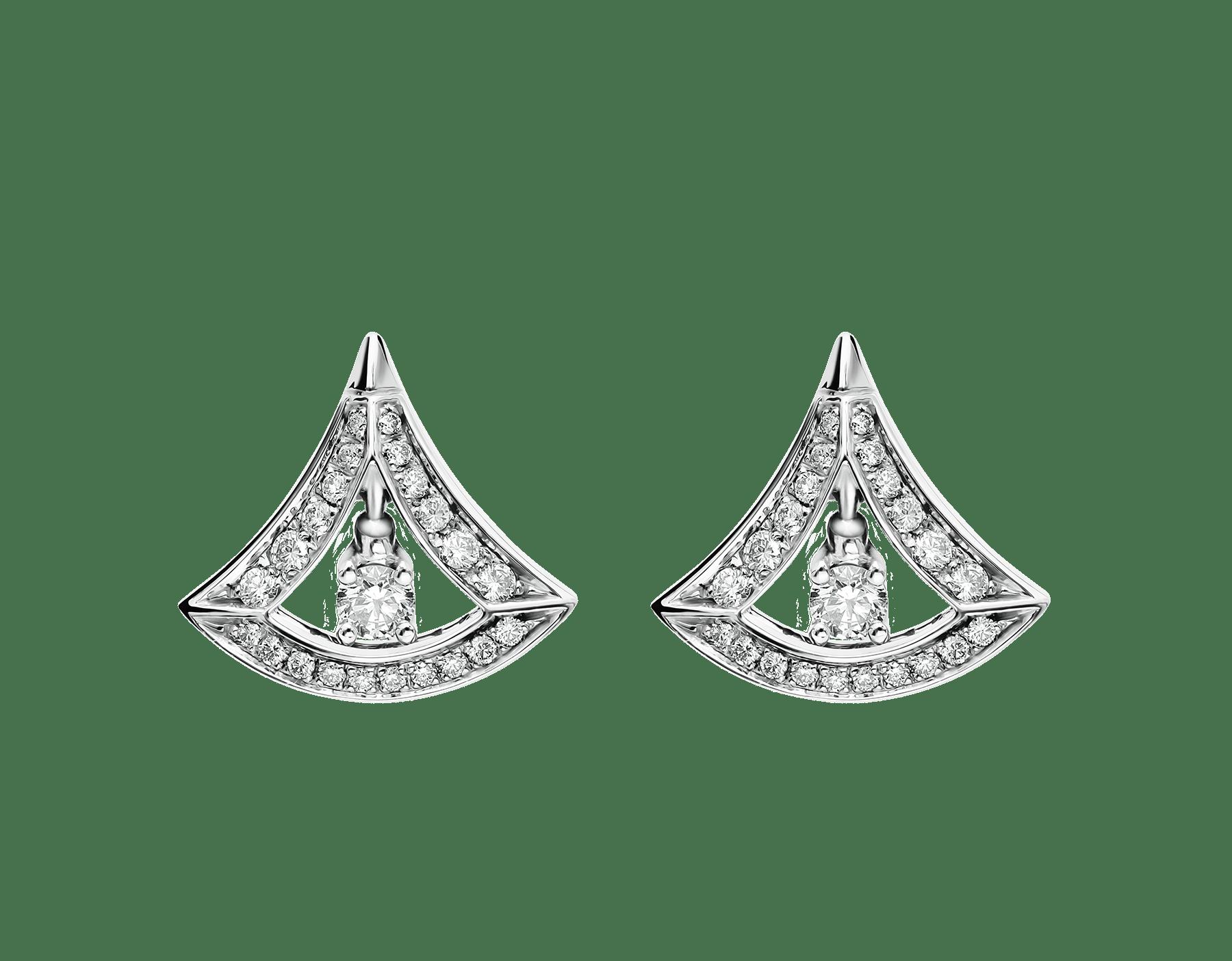 Pendientes calados DIVAS' DREAM en oro blanco de 18 qt con pavé de diamantes y un diamante central (0,50 ct). 354194 image 1