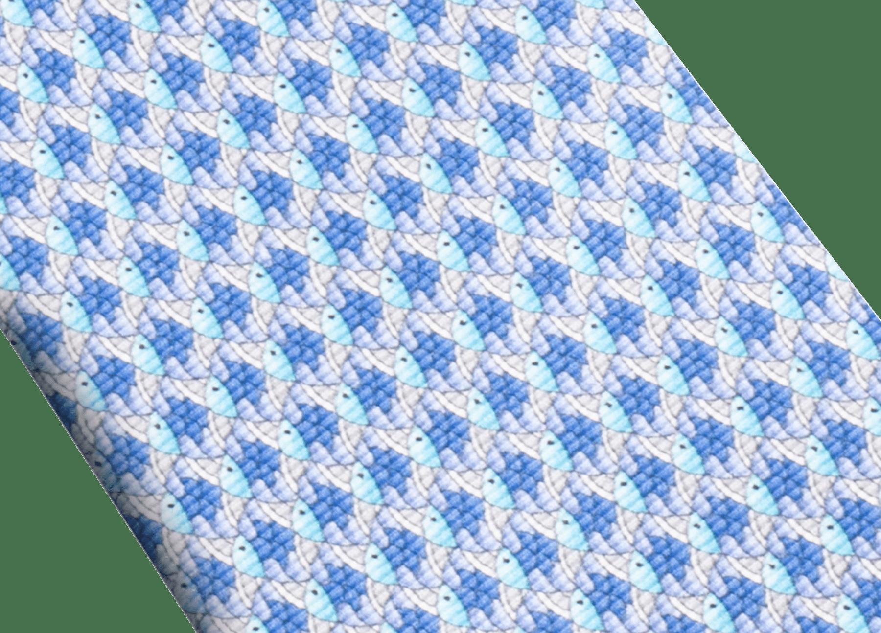 Cravatta sette pieghe blu con motivo Fish Divine in pregiata seta saglione stampata. 244151 image 2