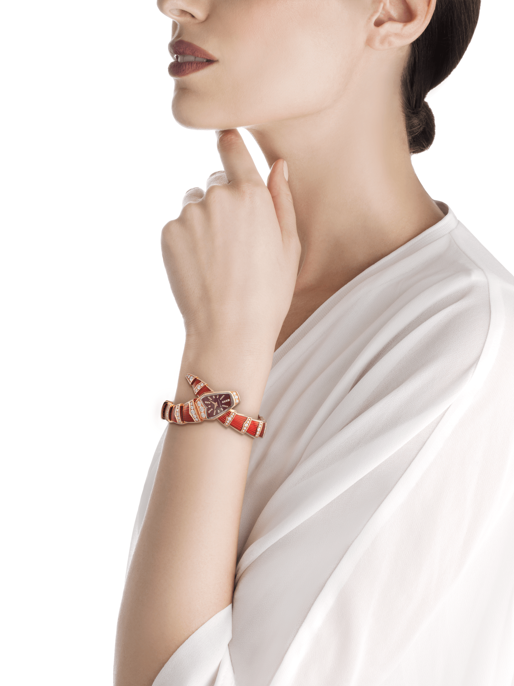 Quartz movement. 26 mm 18 kt pink gold curved case set with brilliant-cut diamonds. Red lacquered dial set with brilliant-cut diamond indexes. Single-spiral 18 kt pink gold bracelet set with brilliant-cut diamonds and coated with red lacquer. 102345 image 2