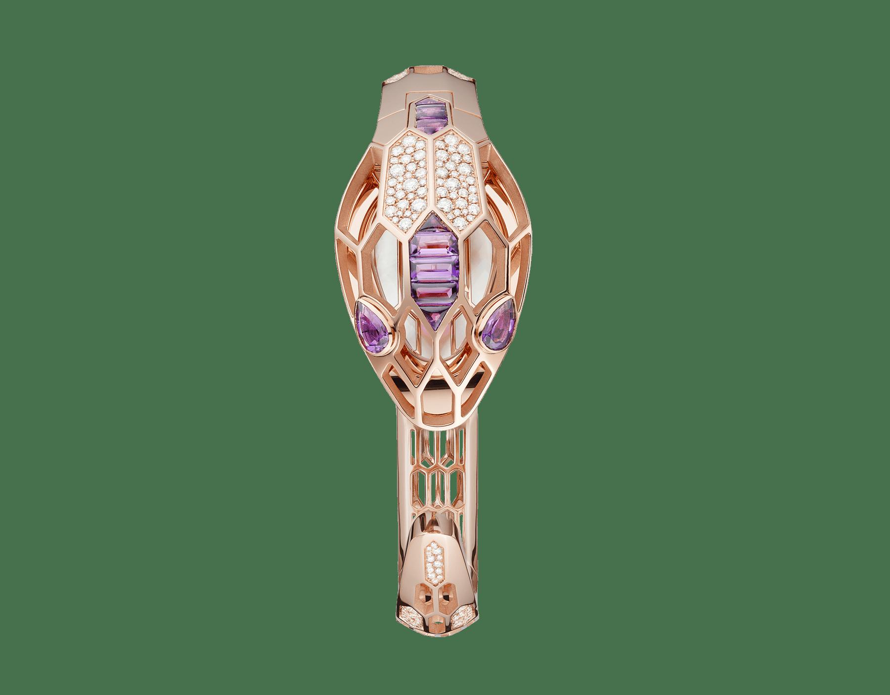 Relógio Secreto Serpenti Misteriosi com caixa e pulseira em ouro rosa 18K, ambas cravejadas com diamantes redondos lapidação brilhante e ametistas lapidação baguete, mostrador em madrepérola e olhos de ametista em formato pera. Tamanho médio 103056 image 2
