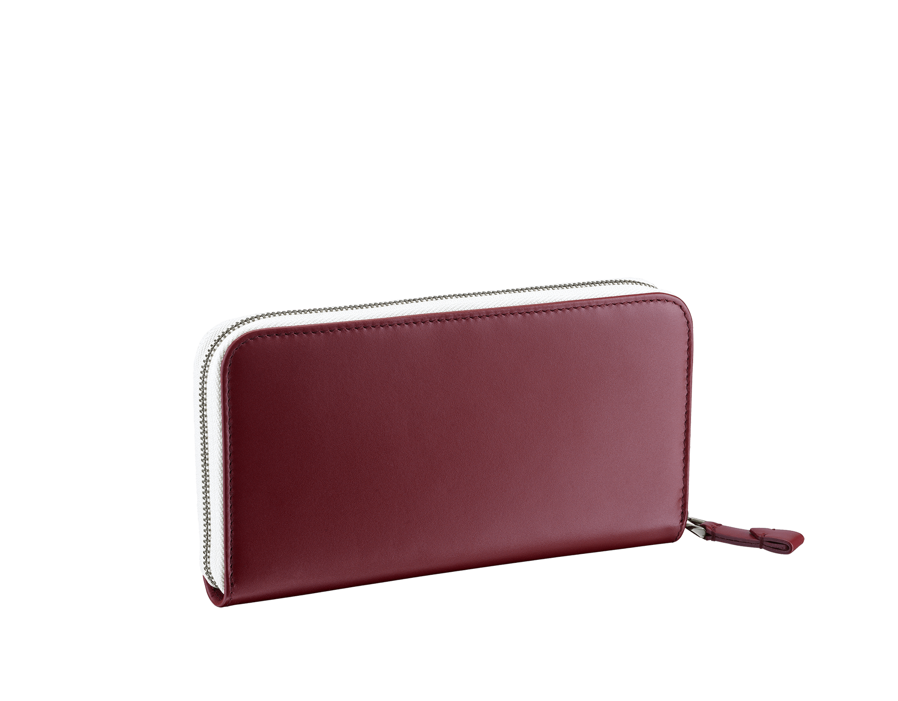 Serpenti Scaglie men's zipped wallet in white agate grazed calf leather and roman garnet calf leather. Bvlgari logo engraved on the hexagonal scaglie metal plate finished in dark ruthenium. 288344 image 3
