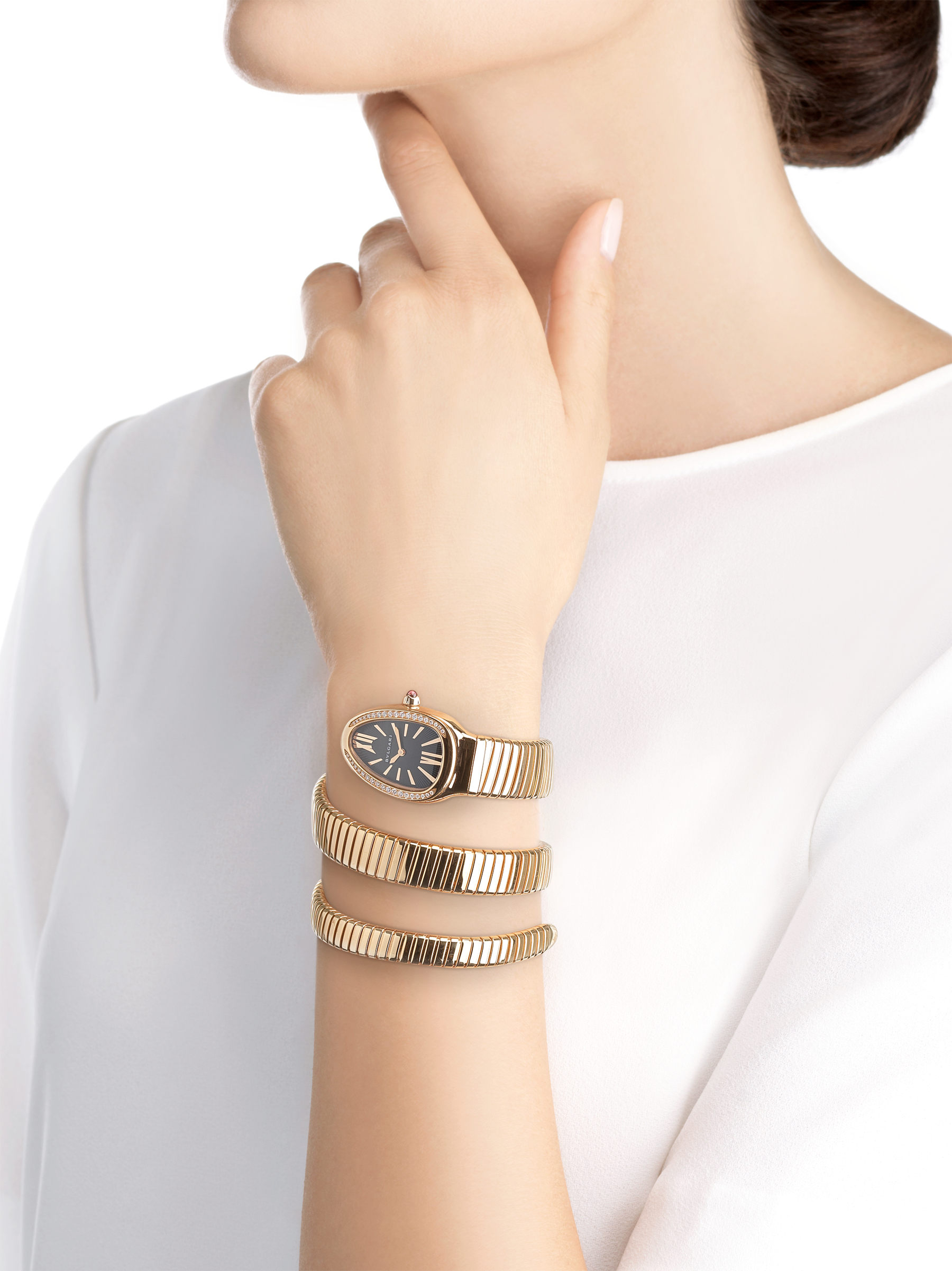Serpenti Tubogas double spiral watch with 18 kt rose gold case set with brilliant cut diamonds, black opaline dial and 18 kt rose gold bracelet. 101814 image 4