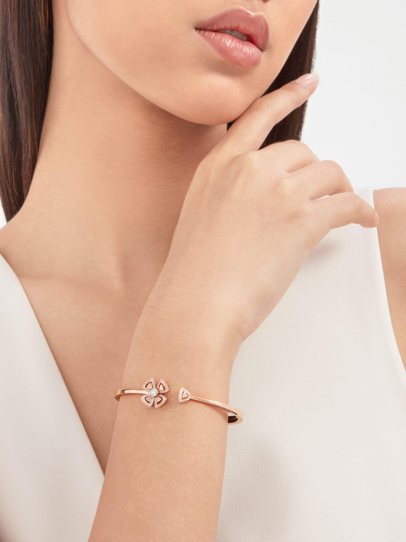 Bracelet Fiorever en or rose 18K serti d'un diamant de centre avec pavé diamants BR858672 image 1