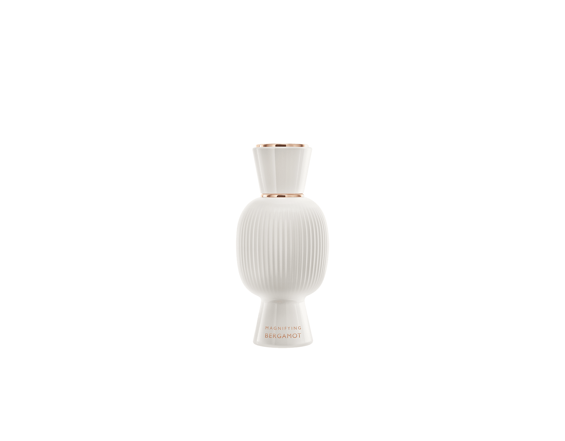The energising Magnifying Bergamot elevates the freshness of your Eau de Parfum. #MagnifyForMore Joy 41277 image 6
