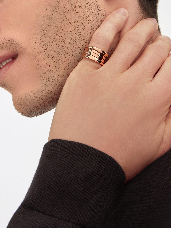 يسفر التصميم الجريء لخاتم بي.زيرو1 عن الروح الجذابة لأيقونة من أيقونات المجوهرات عبر الخطوط الحلزونية الانسيابية للذهب الوردي وشخصية أحجامه الجريئة. B-zero1-4-bands-AN856732 image 5