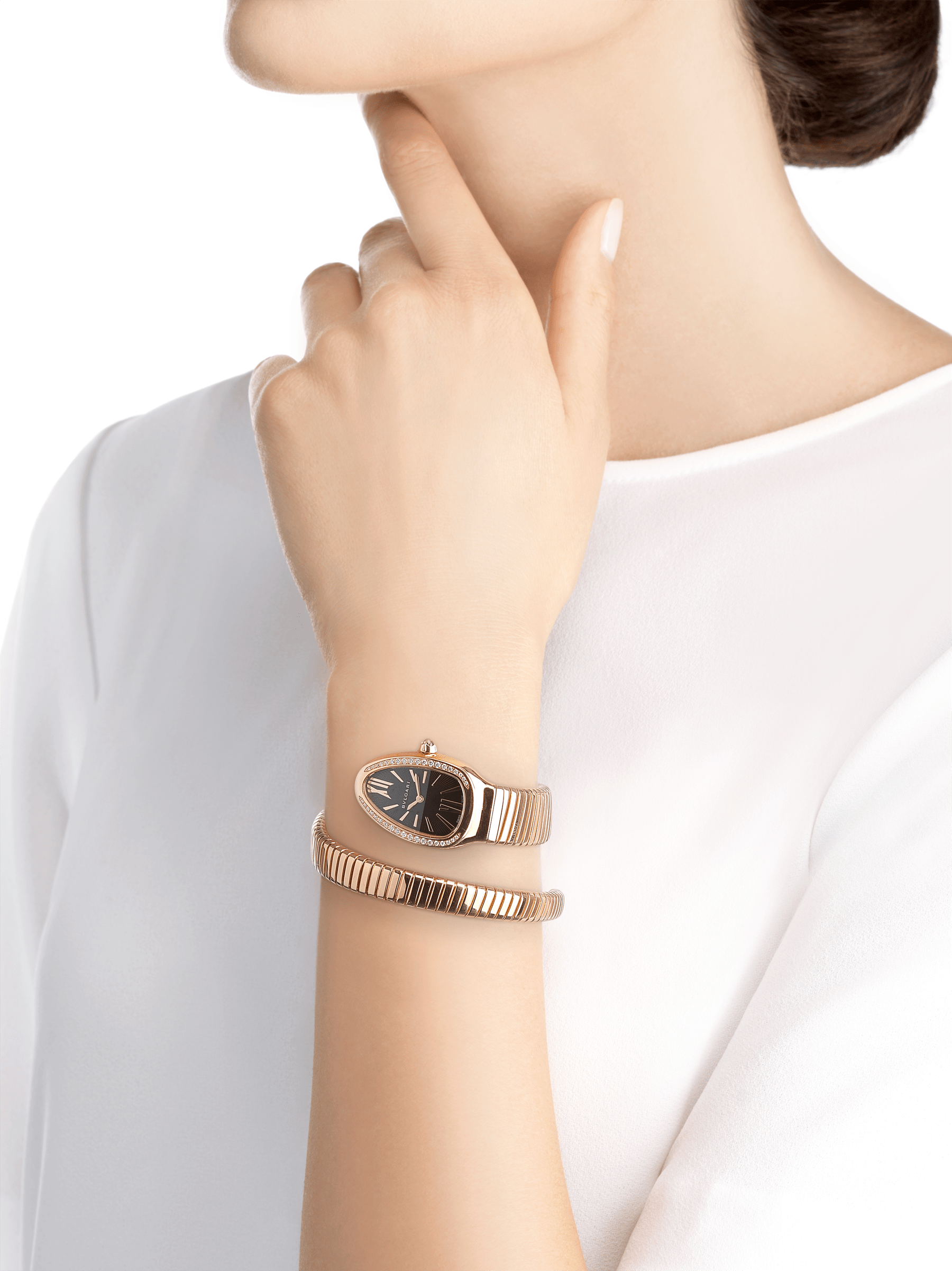 Serpenti Tubogas single spiral watch with 18 kt rose gold case set with brilliant cut diamond, black opaline dial and 18kt rose gold bracelet. 101815 image 4