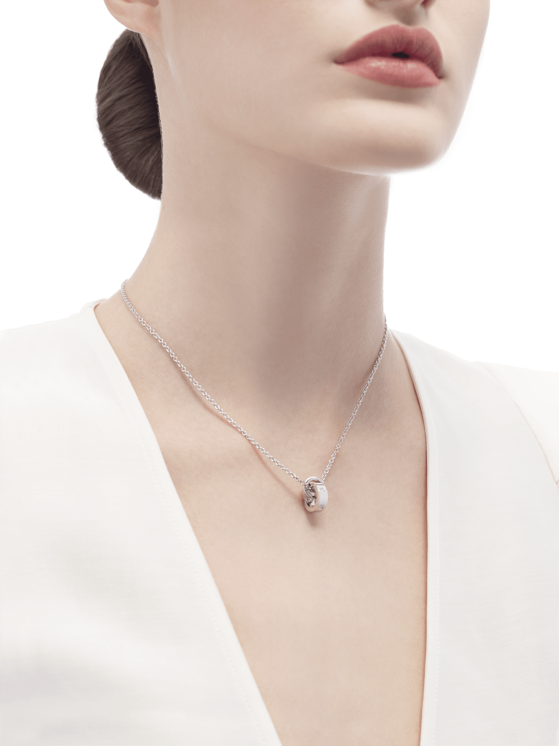 BVLGARI BVLGARI necklace with 18 kt white gold chain and 18 kt white gold pendant set with five diamonds (0.15 ct) 354029 image 4