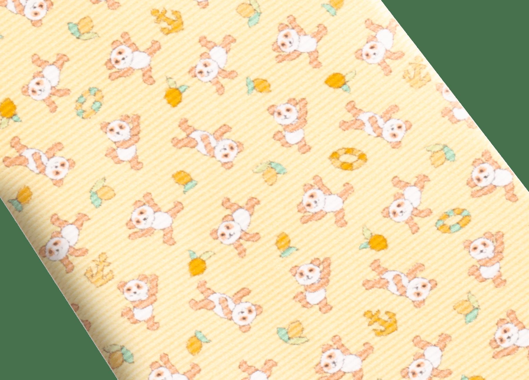 「Lemon Panda」柄があしらわれたイエローのセブンフォールドタイ。上質なサリオーネプリントシルク製。 244171 image 2