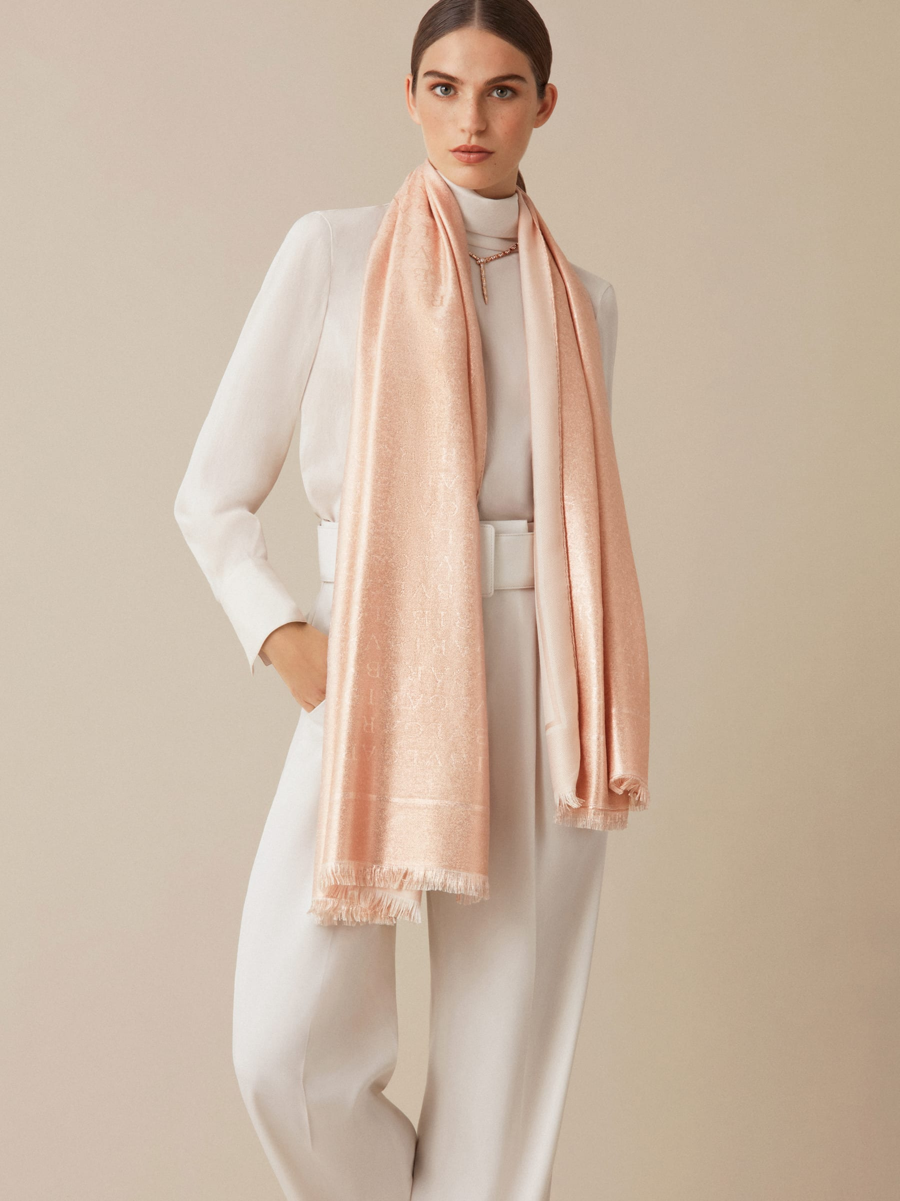 "Peach orange gold ""Lettere Maxi Metal"" stole in fine silk wool. 244578 image 2"
