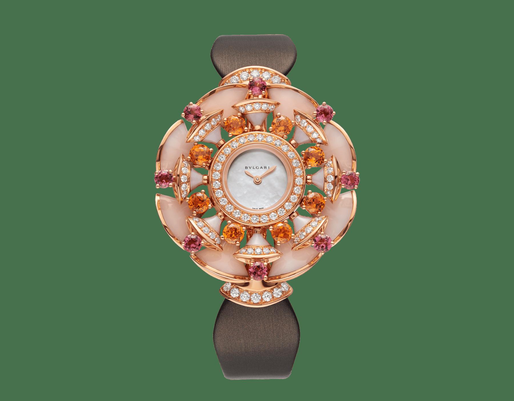 DIVAS' DREAM 腕錶,18K 玫瑰金錶殼鑲飾明亮型切割鑽石、橙色石榴石、碧璽和粉紅色蛋白石元素。白色珍珠母貝錶盤,褐灰色緞面錶帶。 102420 image 1